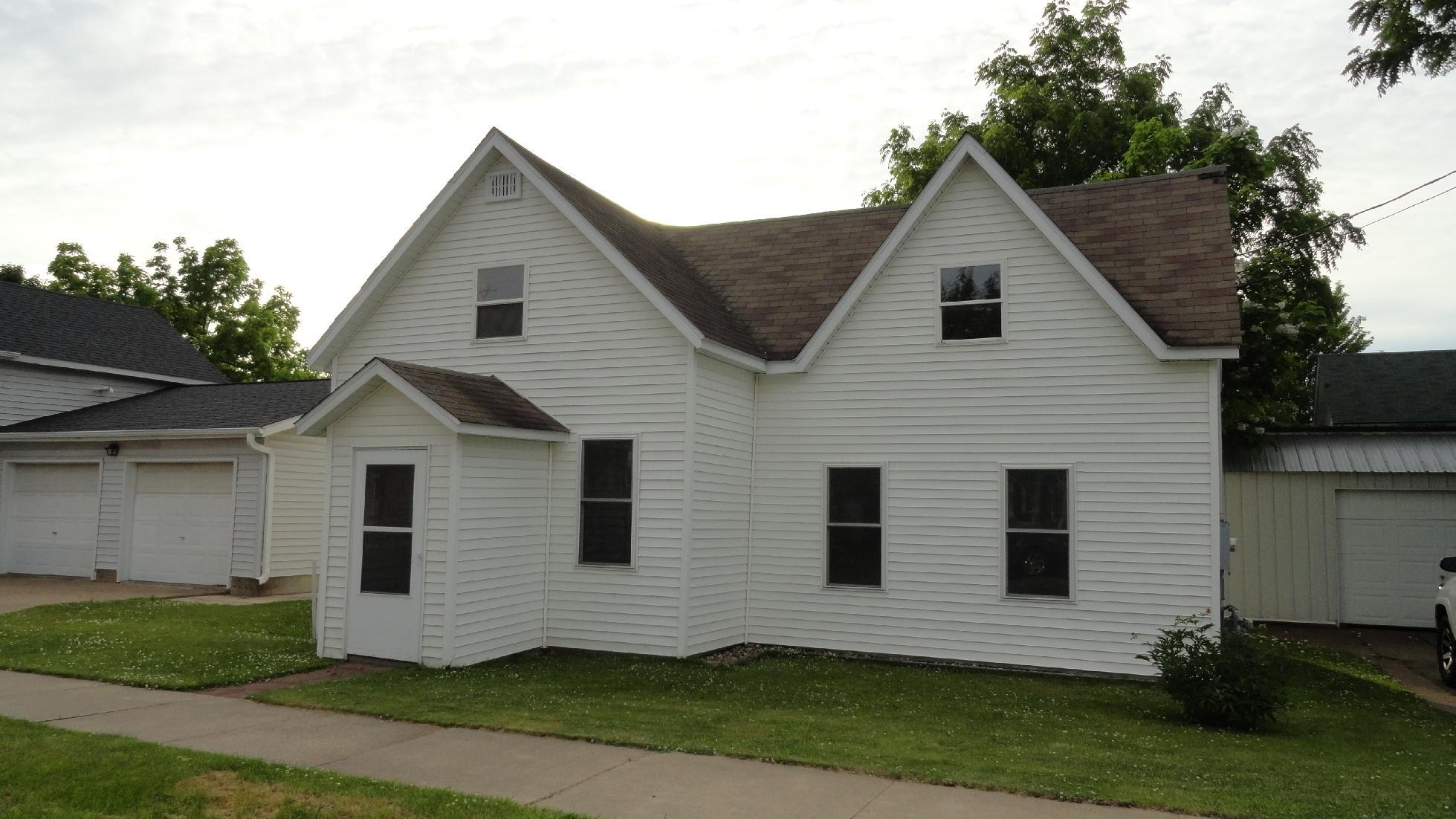 310 Wells Property Photo - Durand, WI real estate listing
