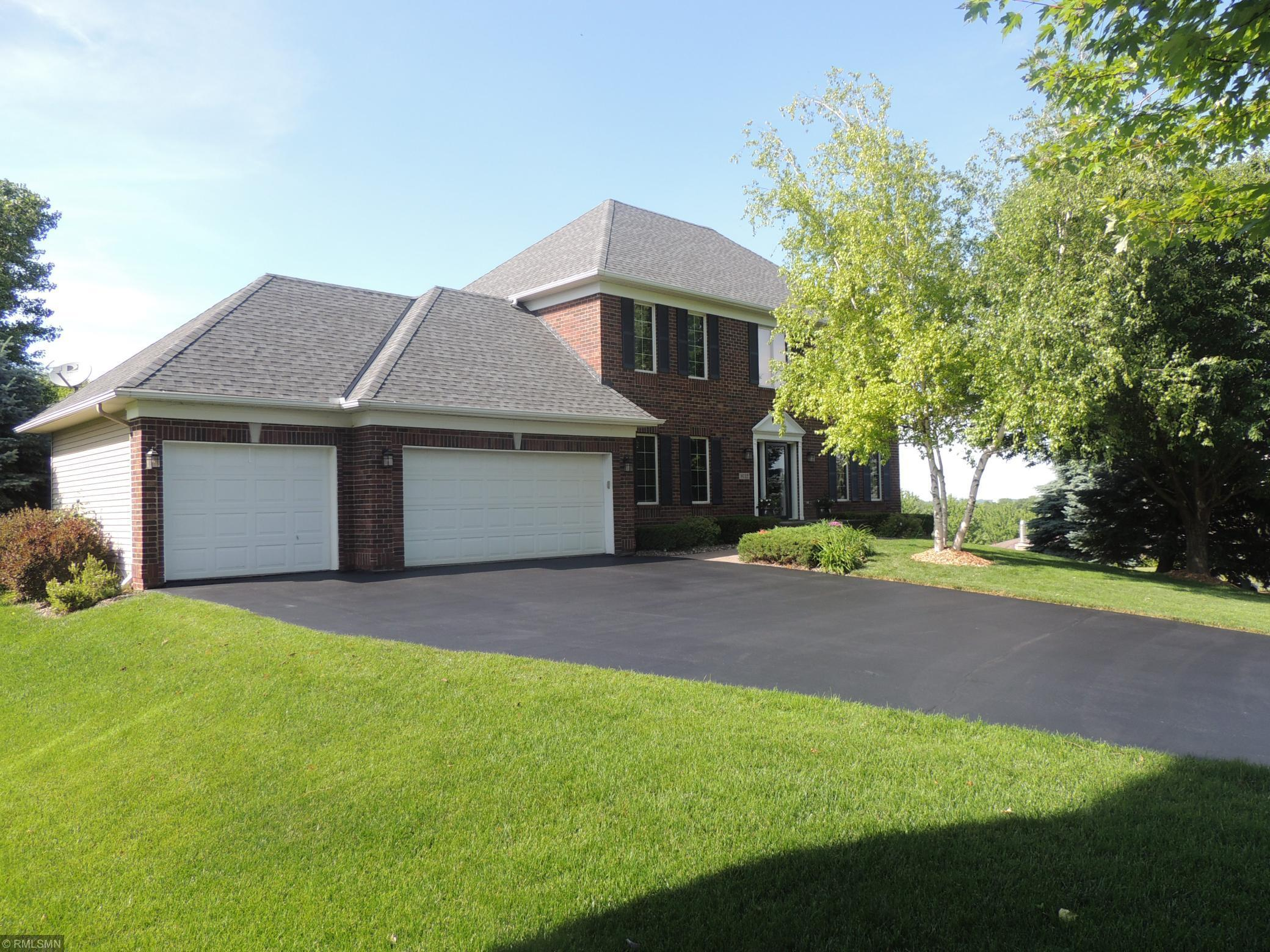 8112 Foxberry Bay Property Photo - Savage, MN real estate listing