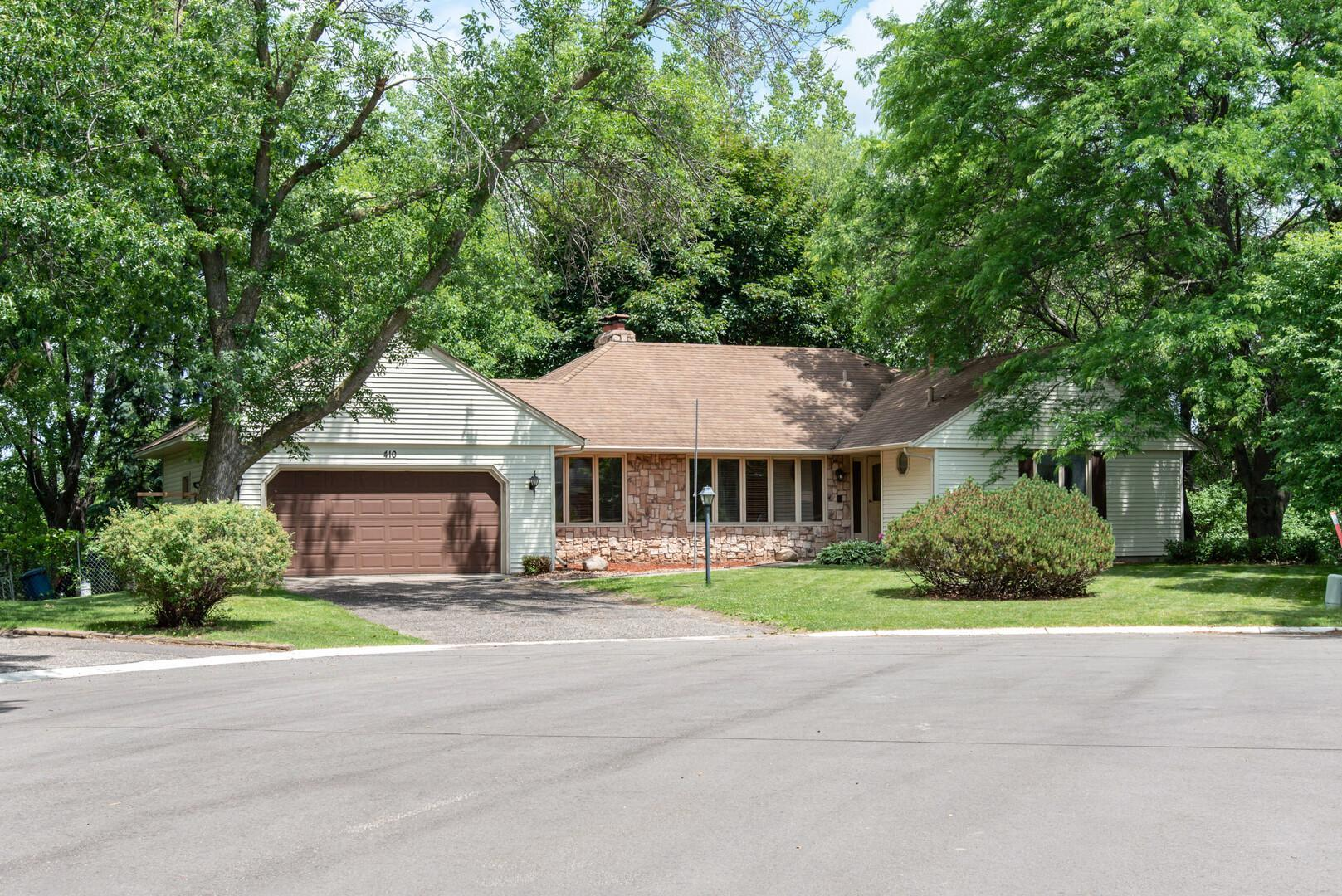 410 Mary S Property Photo - Maplewood, MN real estate listing