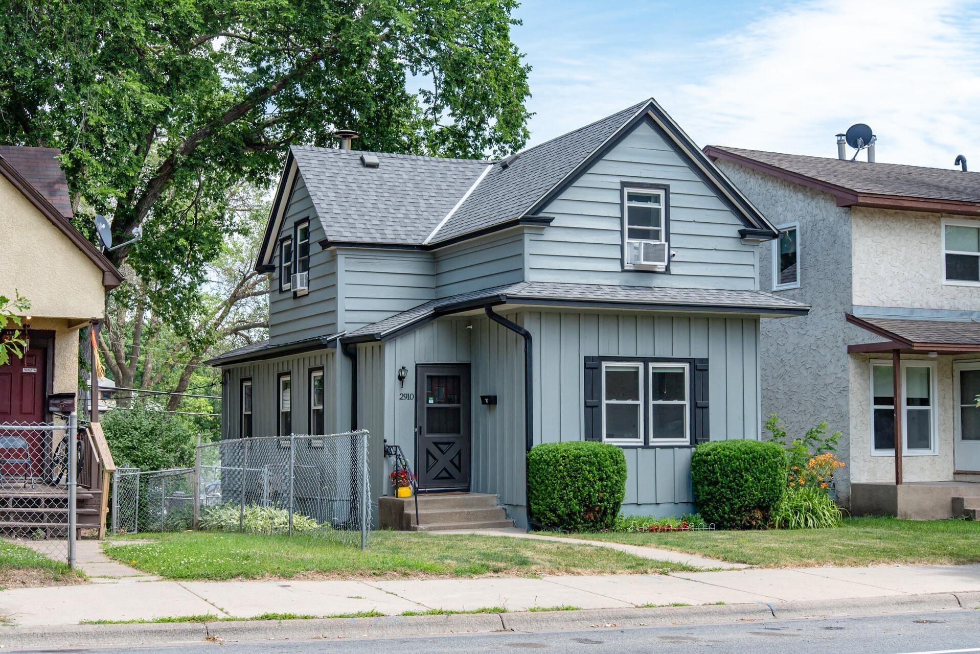 2910 Emerson N Property Photo - Minneapolis, MN real estate listing