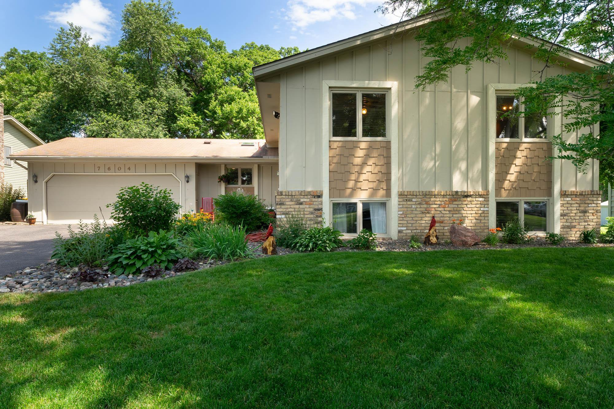 7604 48th Circle N Property Photo - New Hope, MN real estate listing