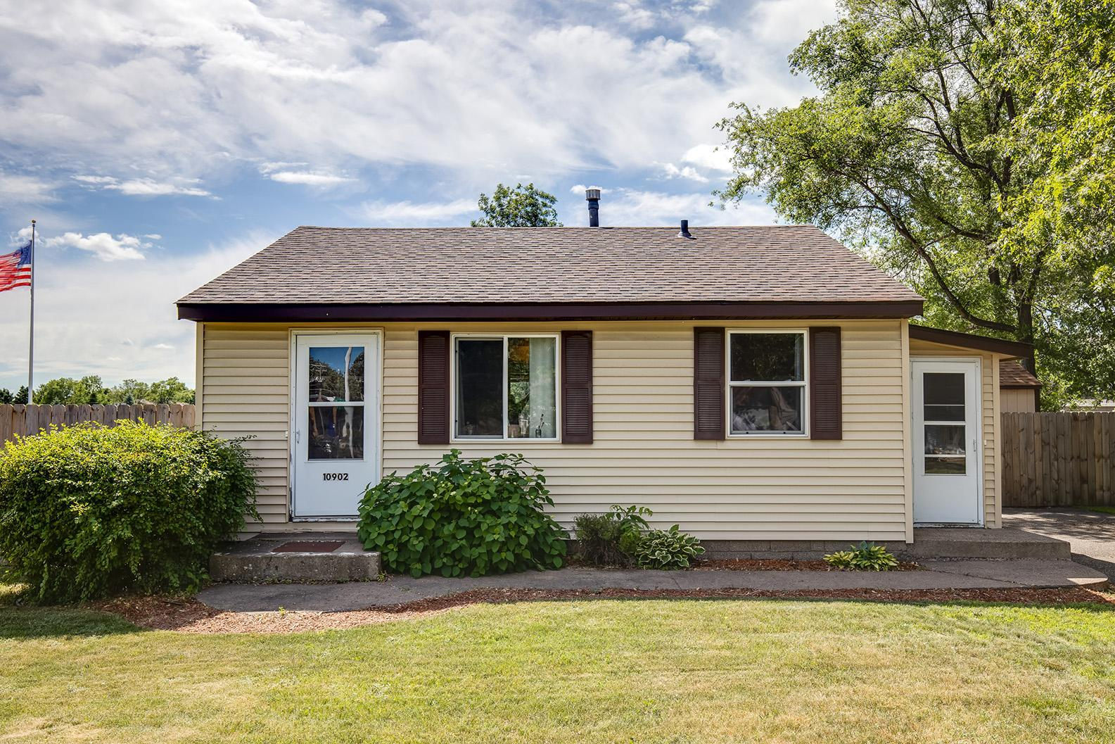 10902 4th Street NE Property Photo - Blaine, MN real estate listing