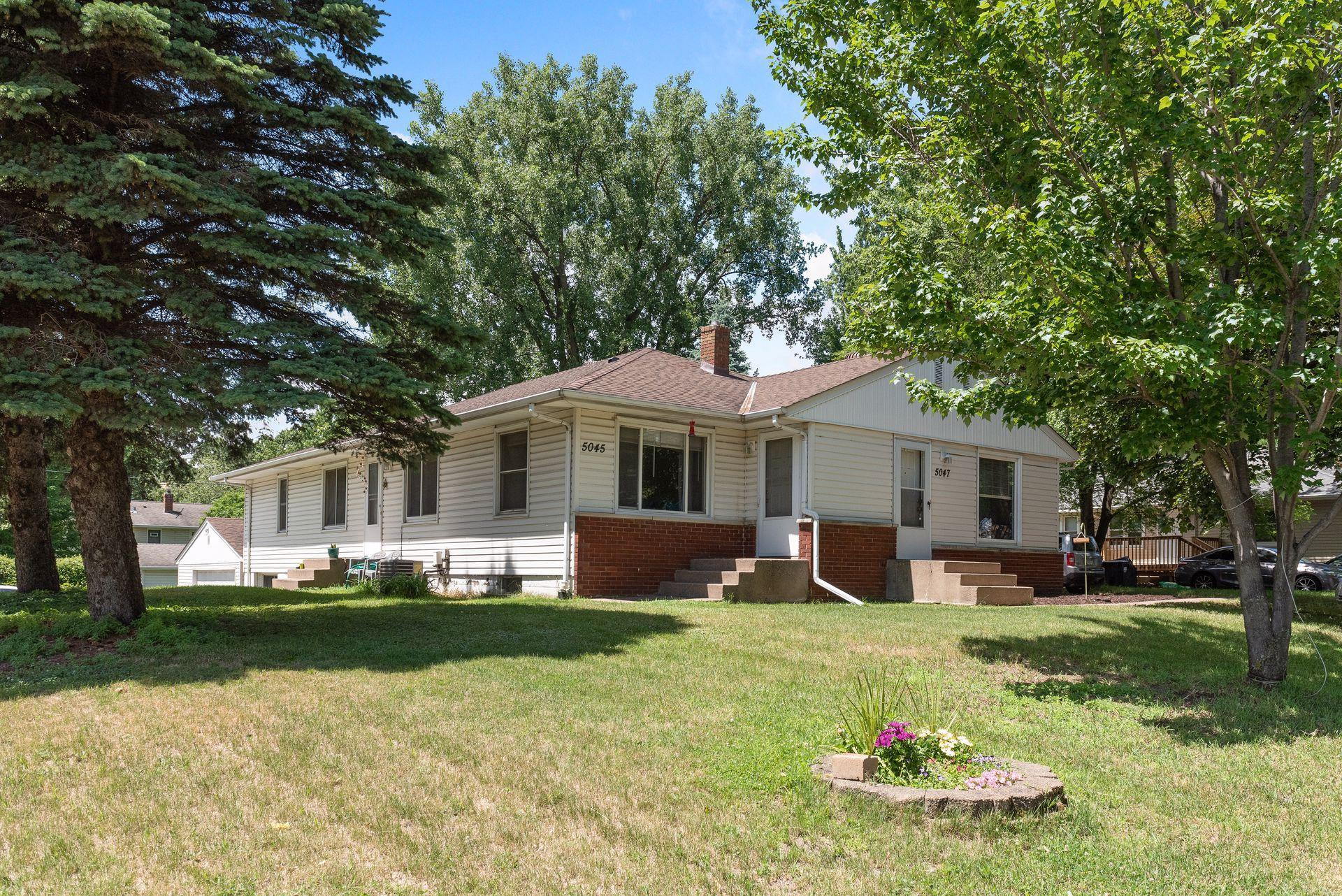 5045/5047 Sunnyside Property Photo - Mounds View, MN real estate listing