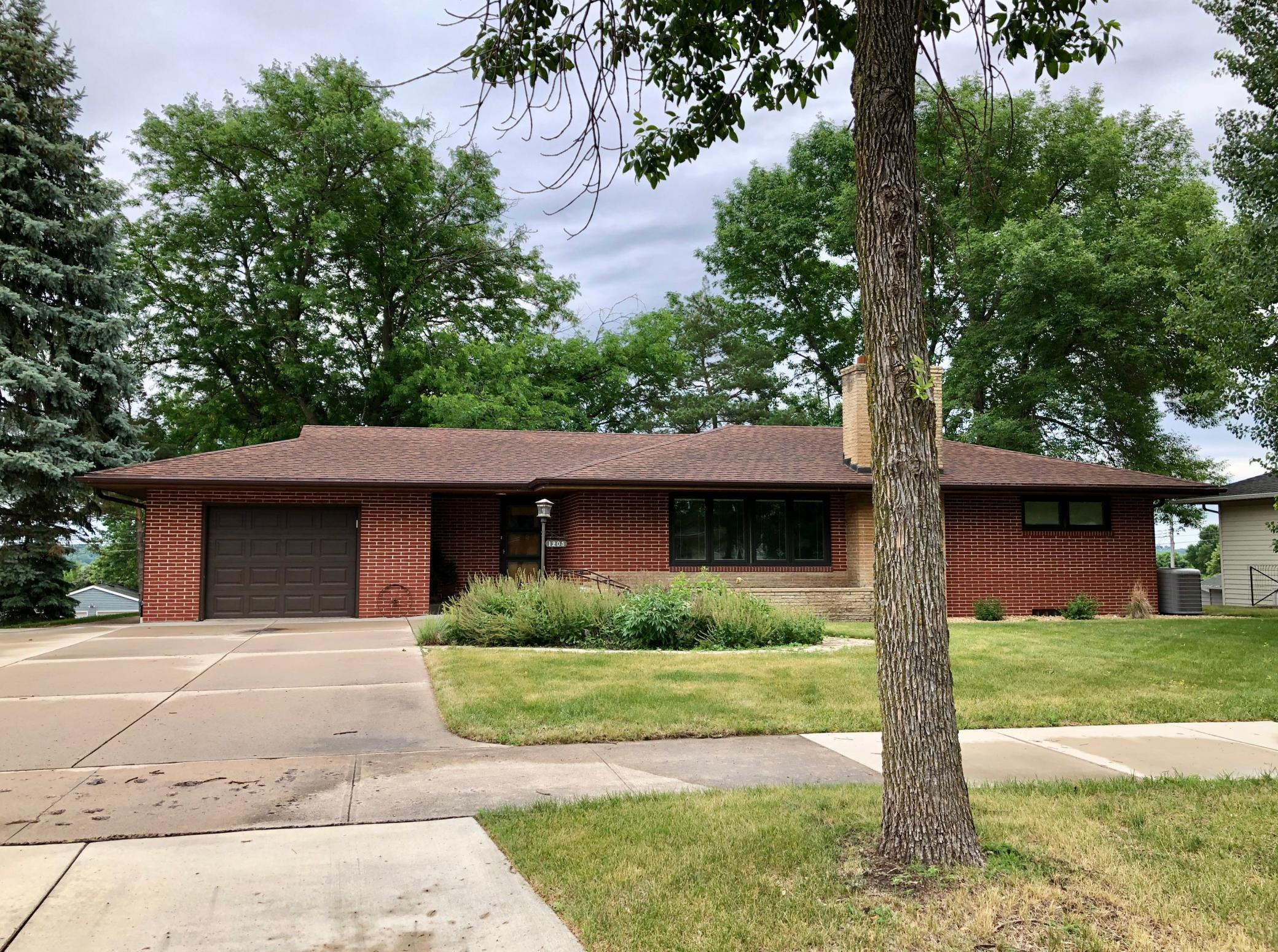 1205 S Minnesota Street Property Photo - New Ulm, MN real estate listing