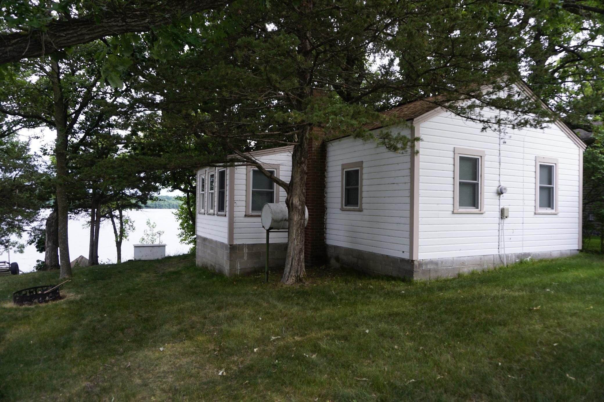 20775 Edgewater Property Photo