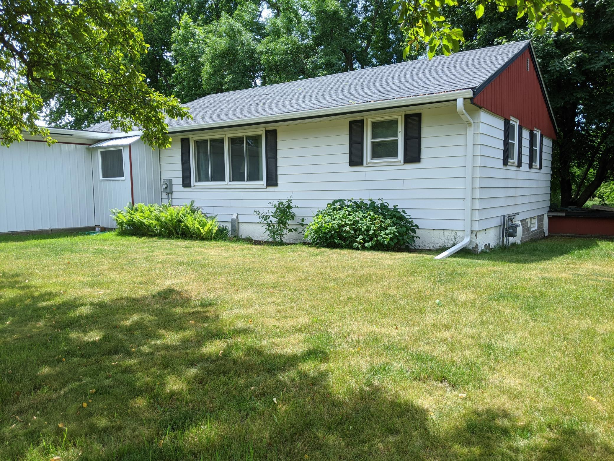 2145 River Property Photo - Windom, MN real estate listing