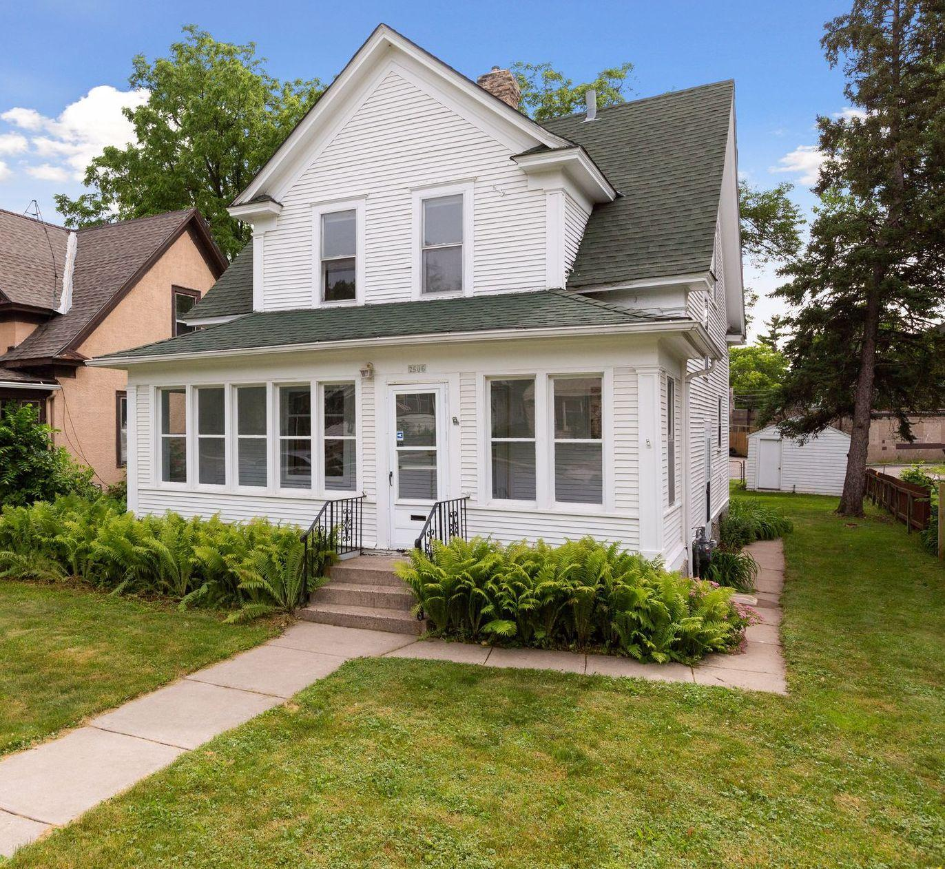 2506 Sheridan N Property Photo - Minneapolis, MN real estate listing