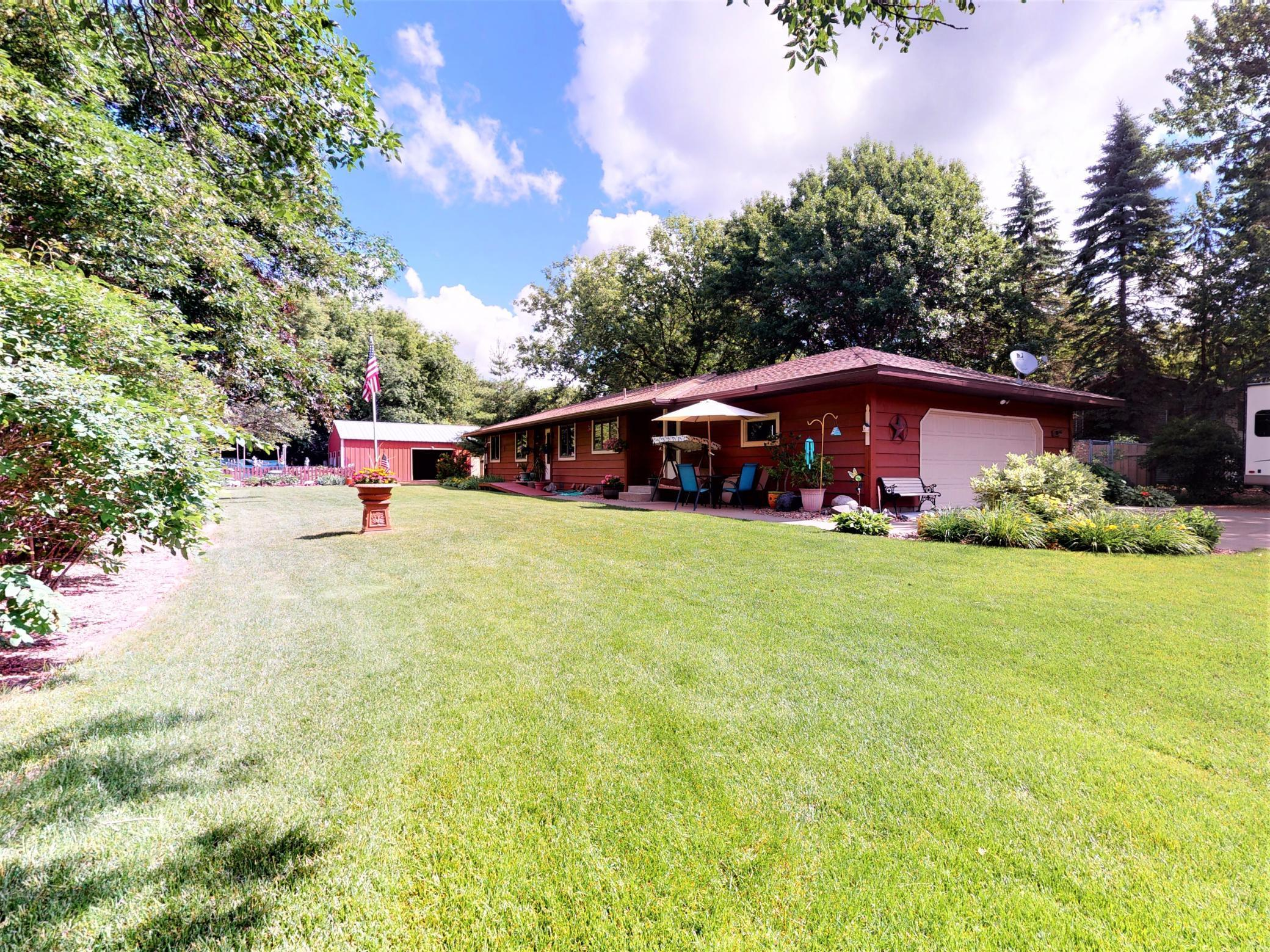 1712 89th N Property Photo - Brooklyn Park, MN real estate listing