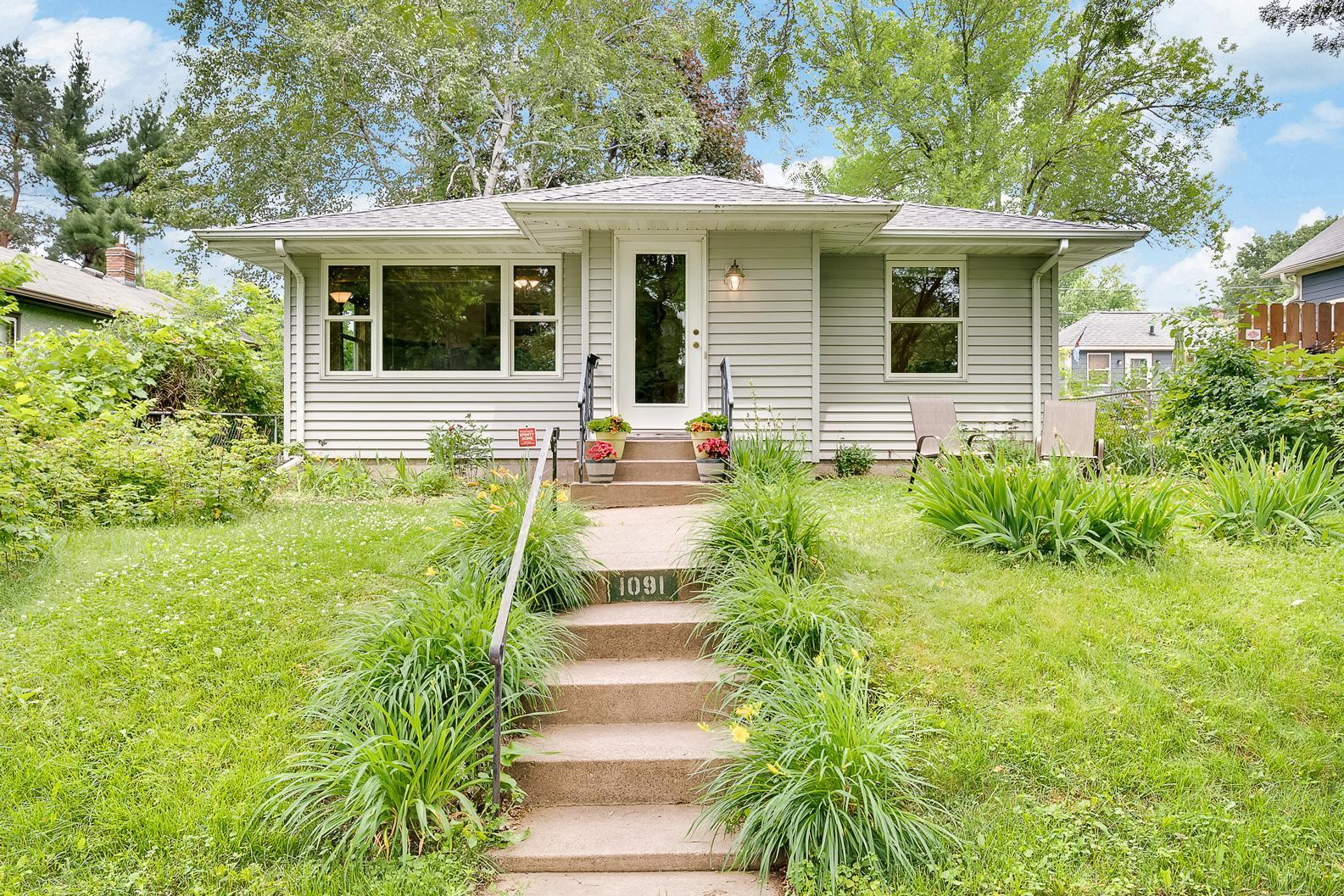 1091 Stinson Property Photo - Saint Paul, MN real estate listing