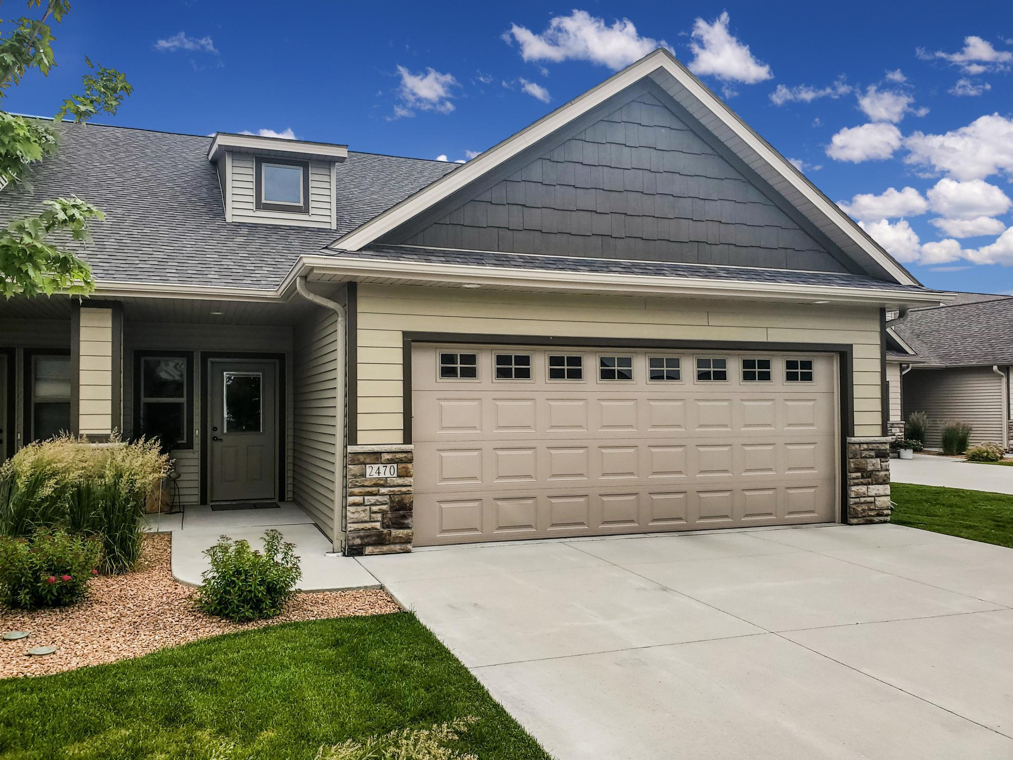 2470 Superior NW Property Photo - Rochester, MN real estate listing