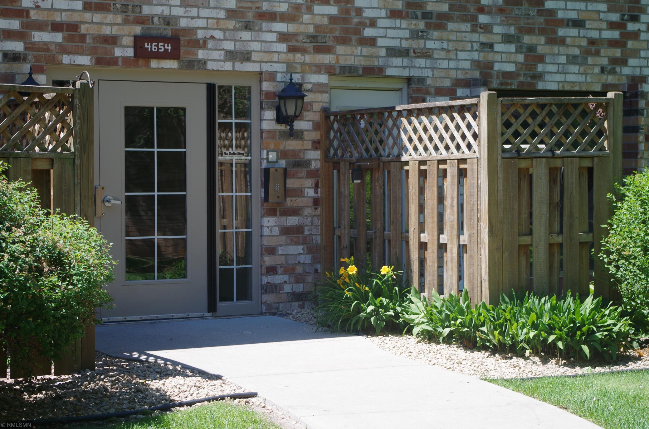 Cedar Lake Trails Condo Real Estate Listings Main Image