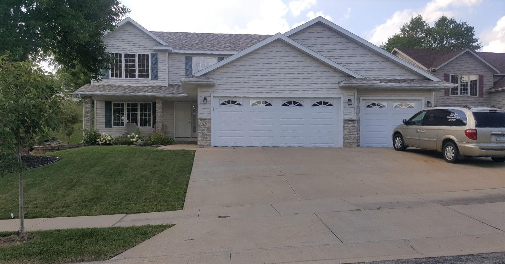 2474 Boulder Ridge Drive NW Property Photo - Rochester, MN real estate listing