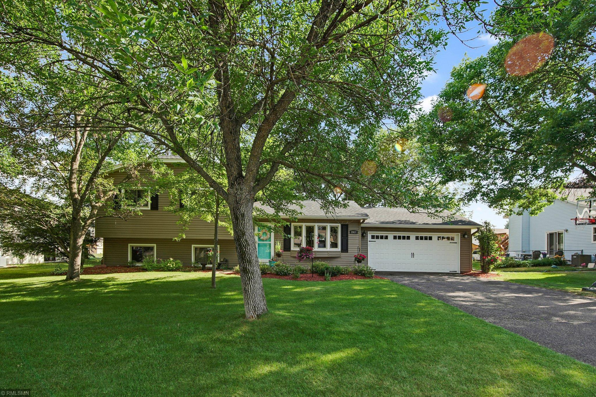 2917 98th N Property Photo - Brooklyn Park, MN real estate listing
