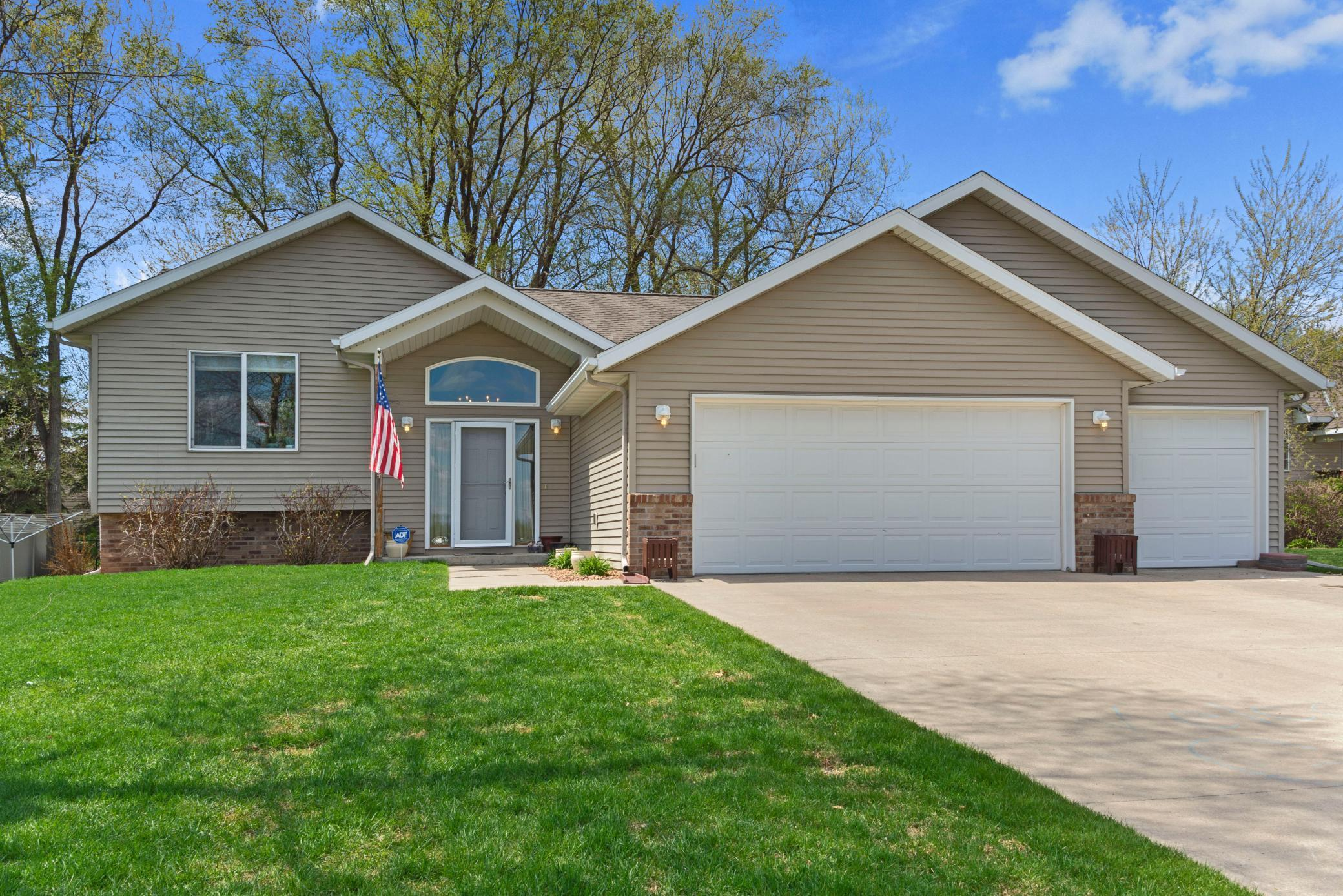 7804 Trappers Ridge Drive Property Photo - Clear Lake, MN real estate listing