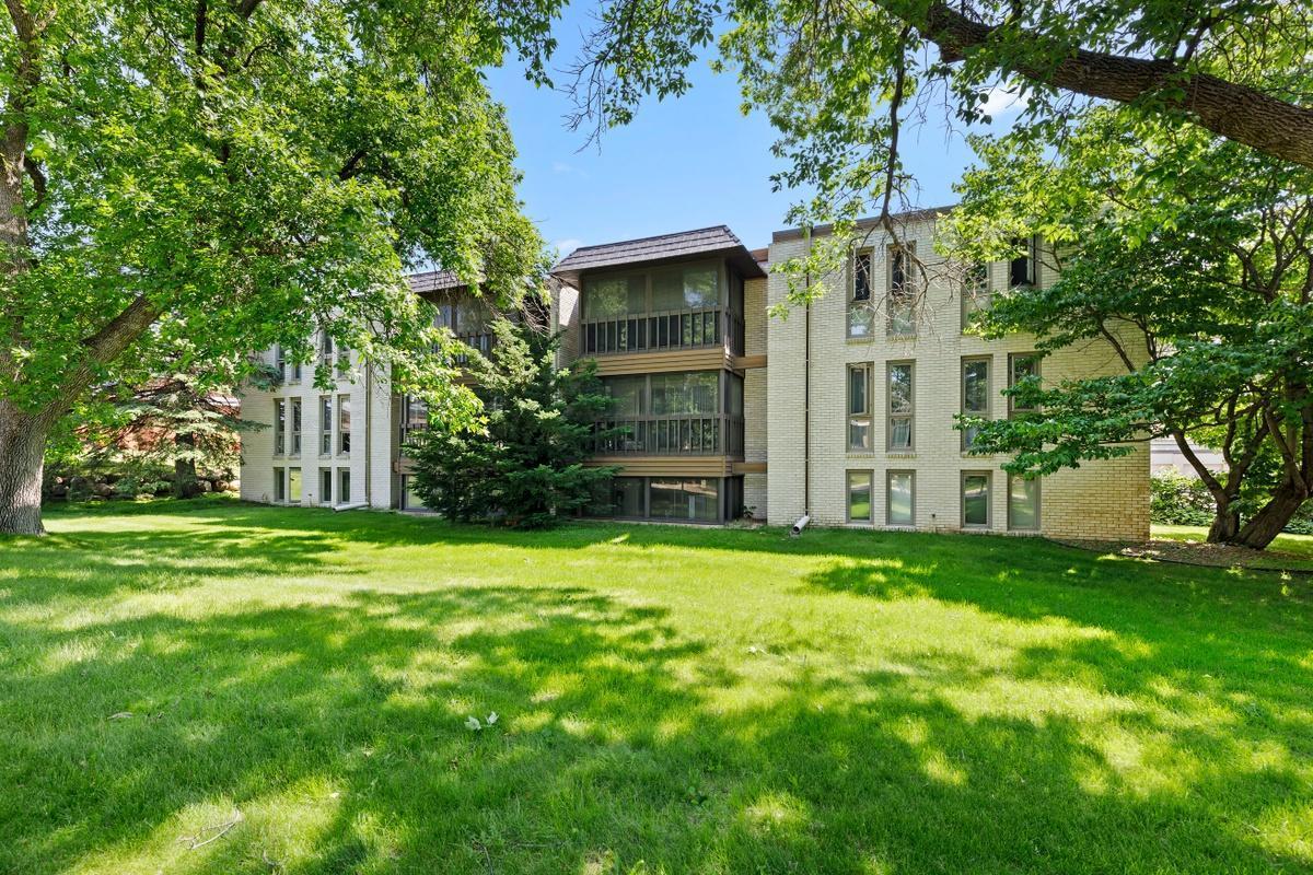 Edina Real Estate Listings Main Image