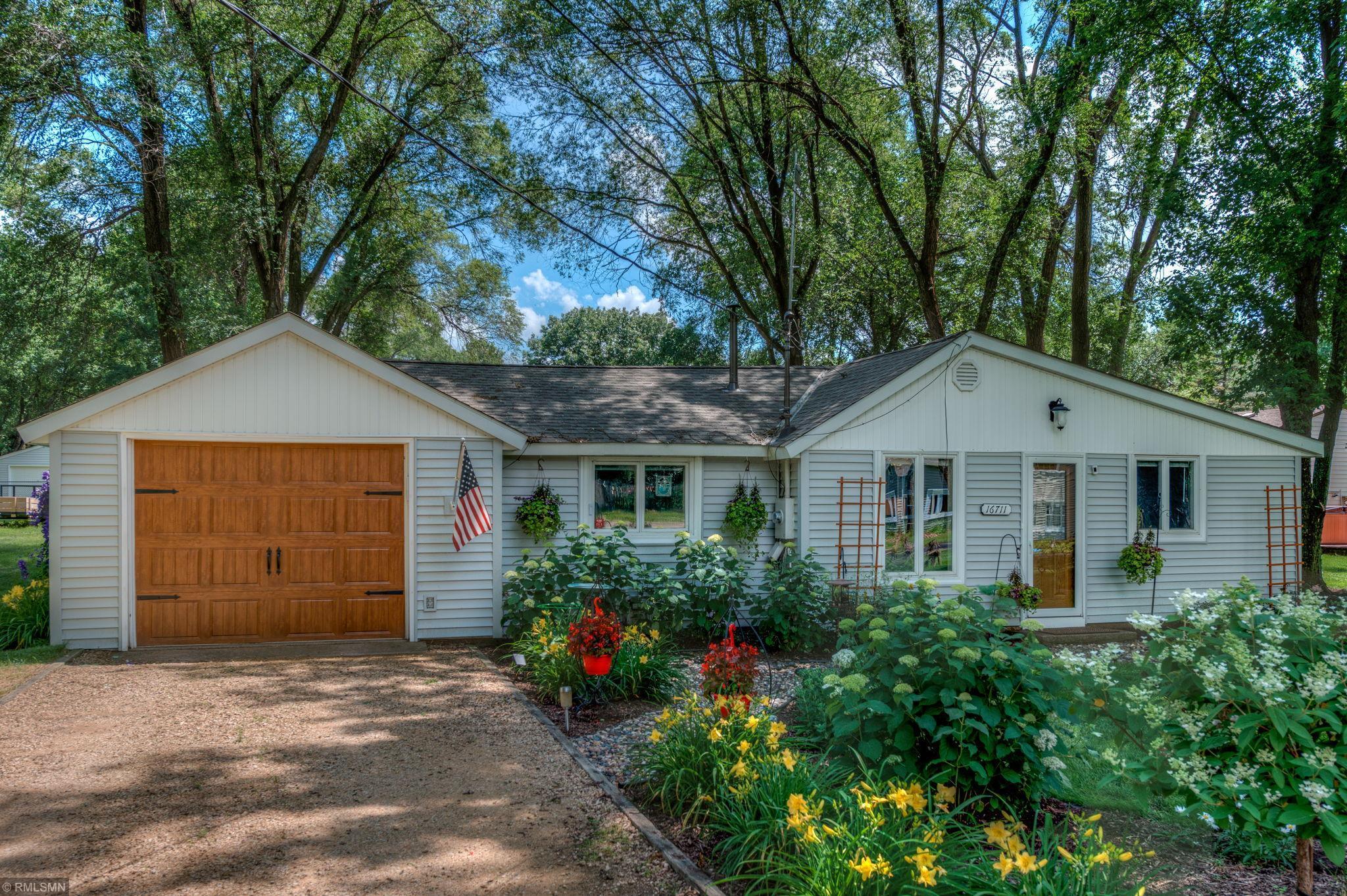 16711 4th N Property Photo - Lakeland, MN real estate listing