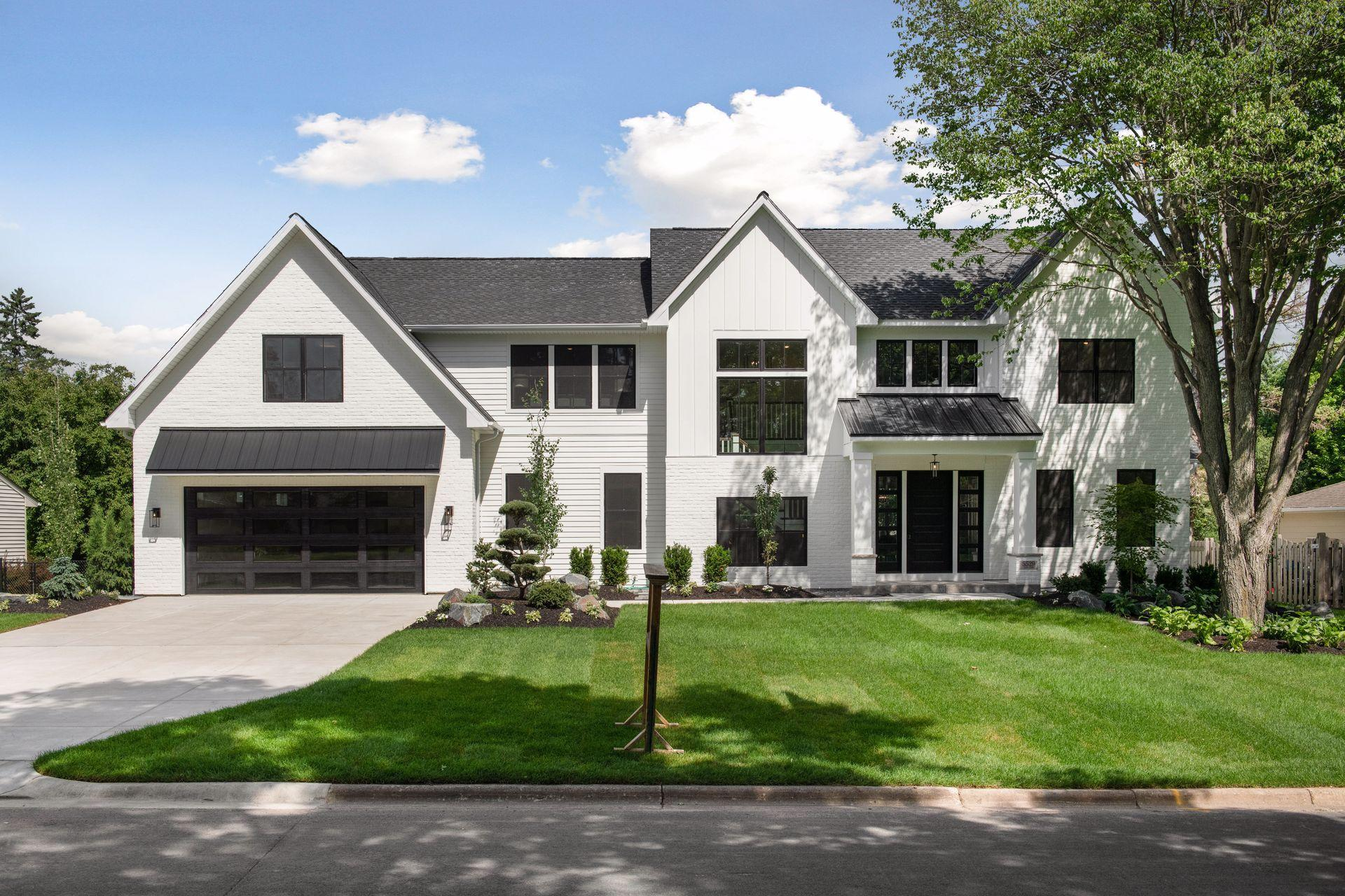 5529 Chantrey Road Property Photo - Edina, MN real estate listing