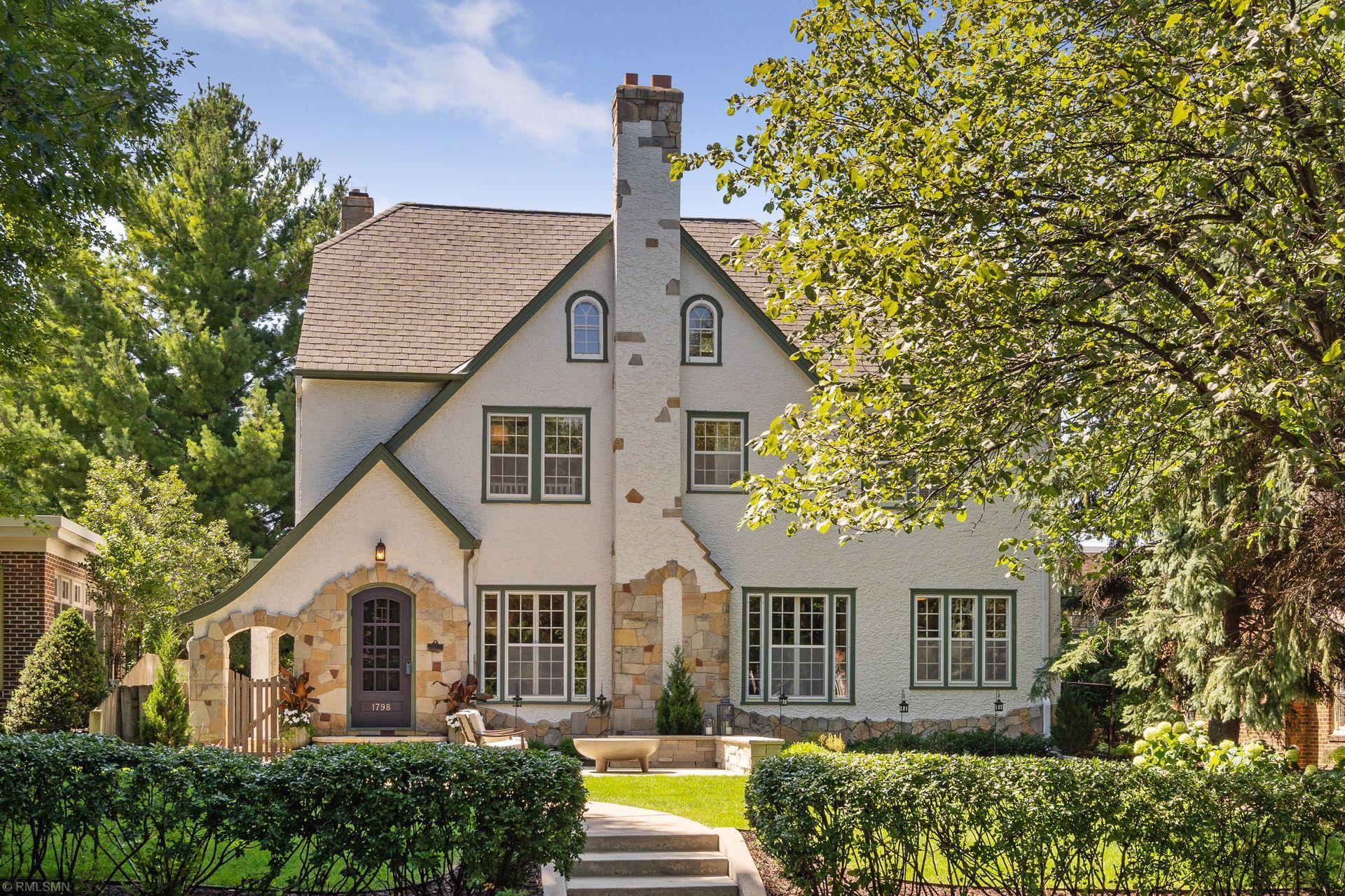 1798 Pinehurst Avenue Property Photo