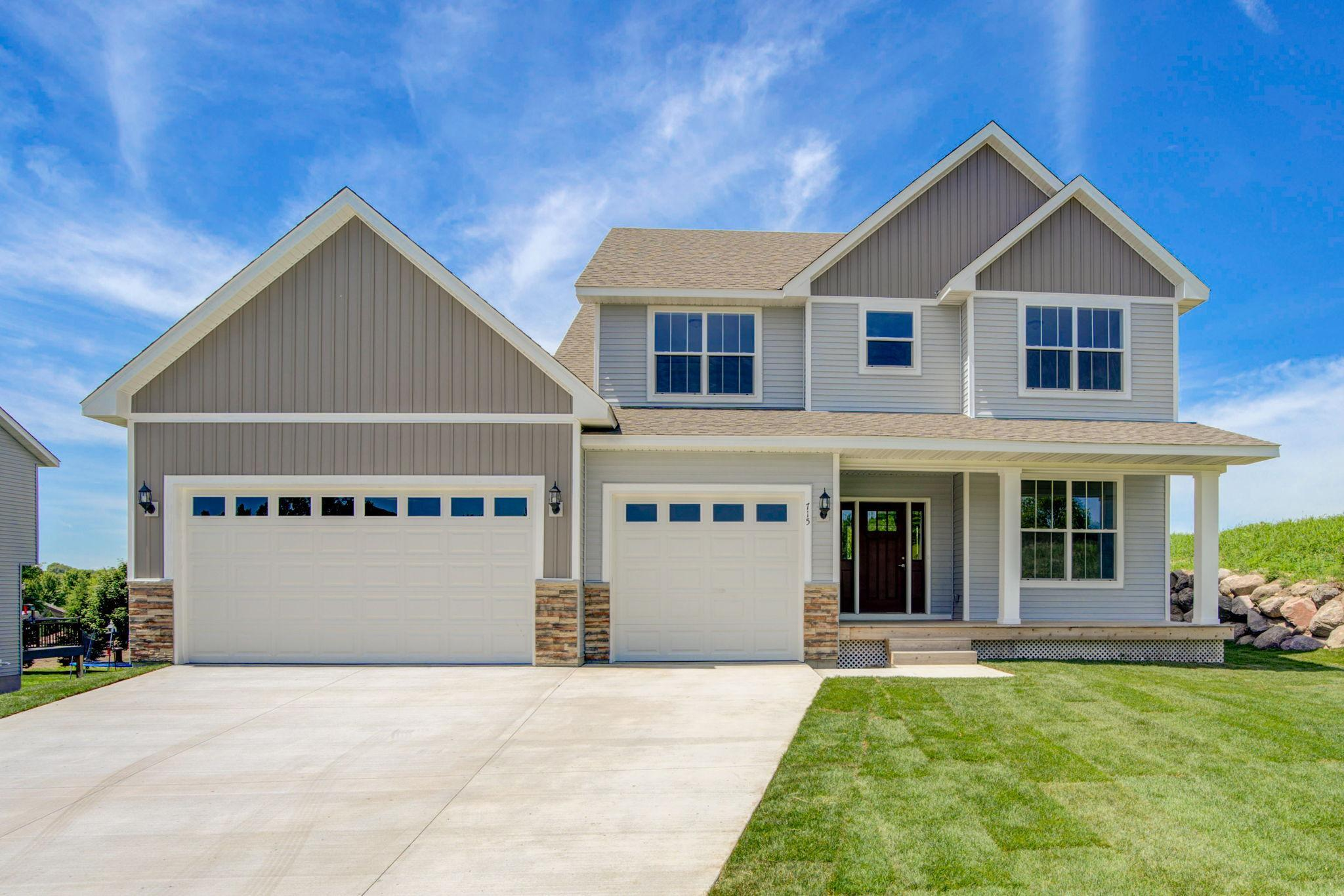 715 Overlook Property Photo
