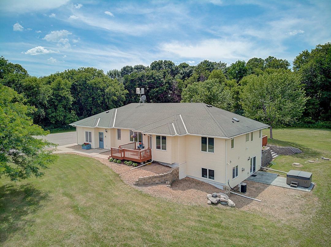 875 32nd Se Property Photo
