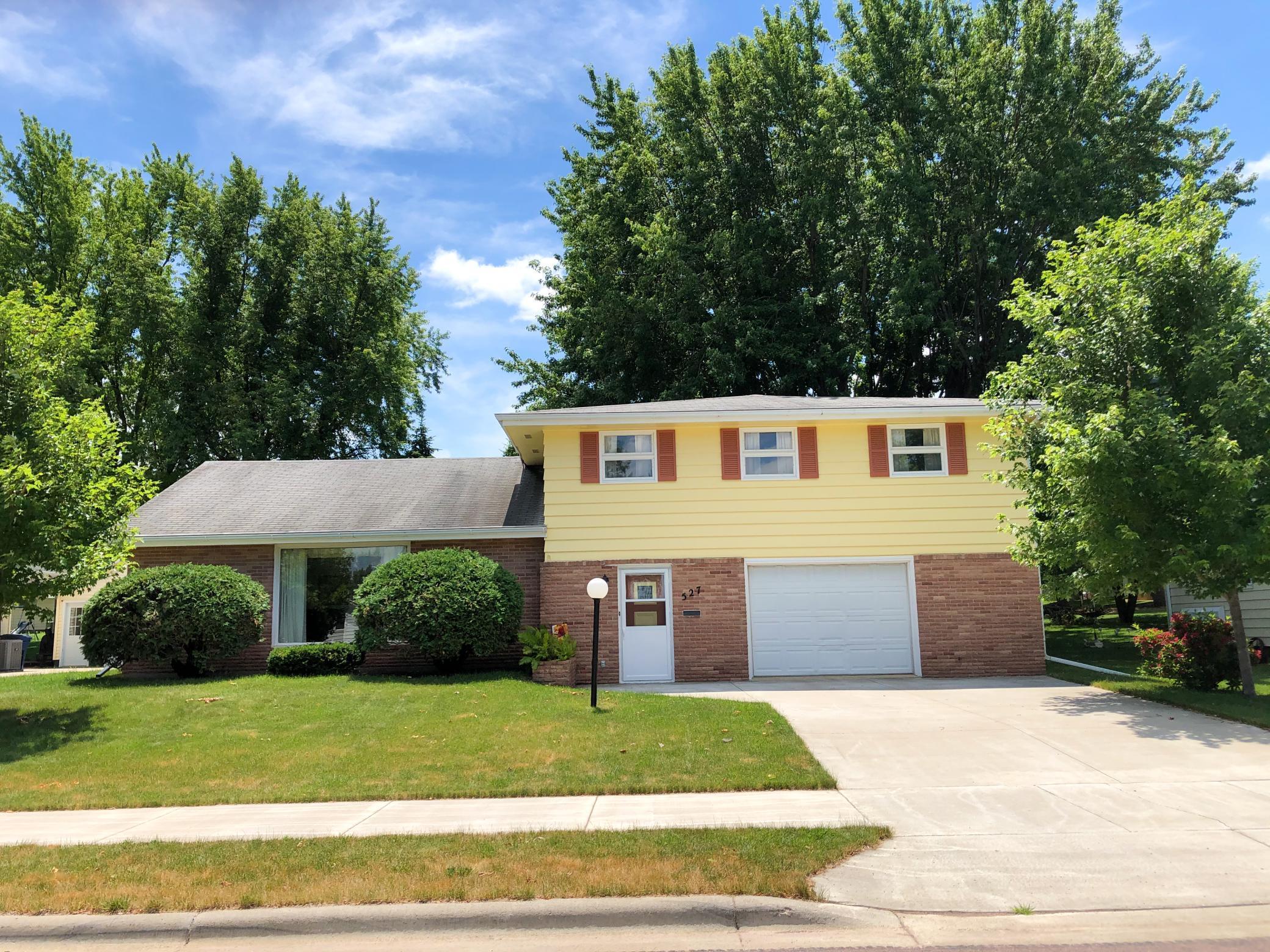 527 Van Dusen Property Photo - Springfield, MN real estate listing