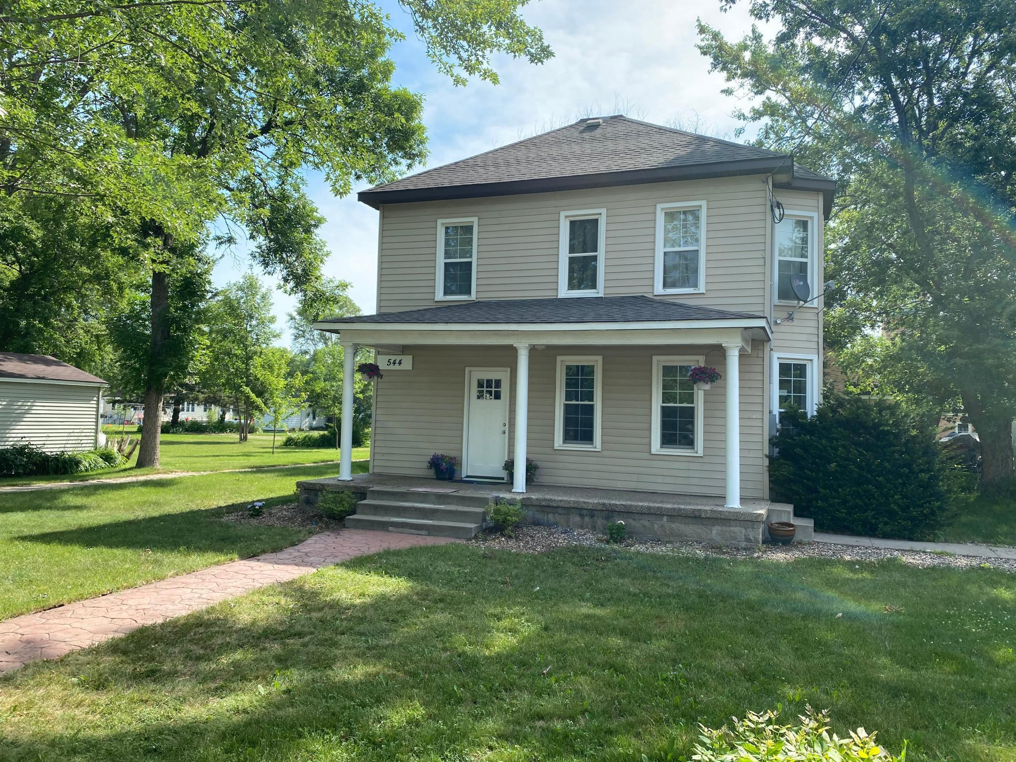 544 Washburn Avenue Property Photo - Belgrade, MN real estate listing