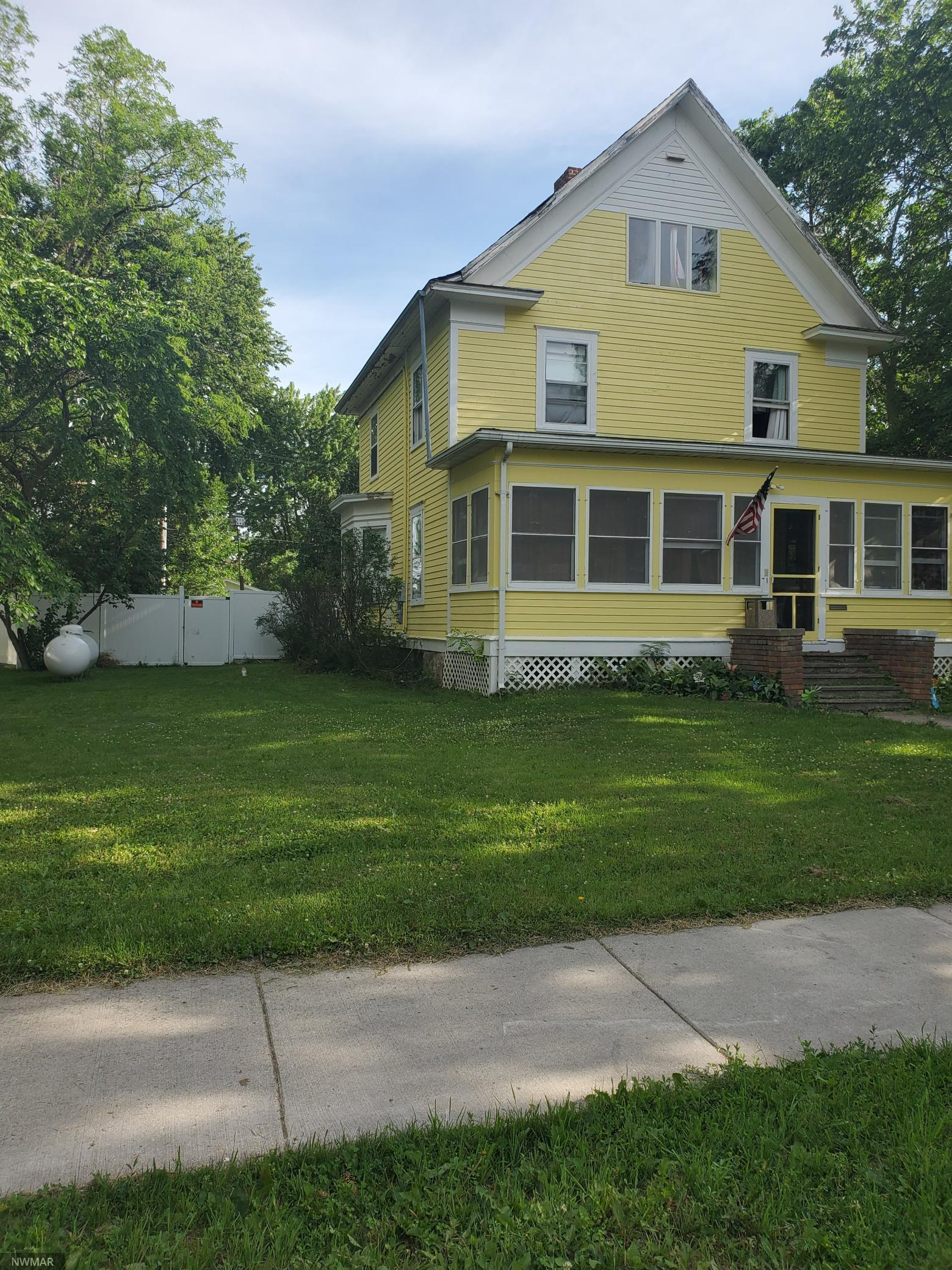 1405 Broadway Property Photo - Wheaton, MN real estate listing