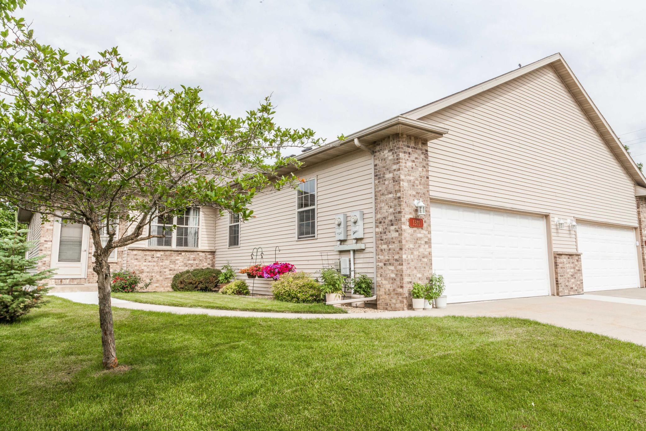 1311 Kings Run NW Property Photo - Rochester, MN real estate listing