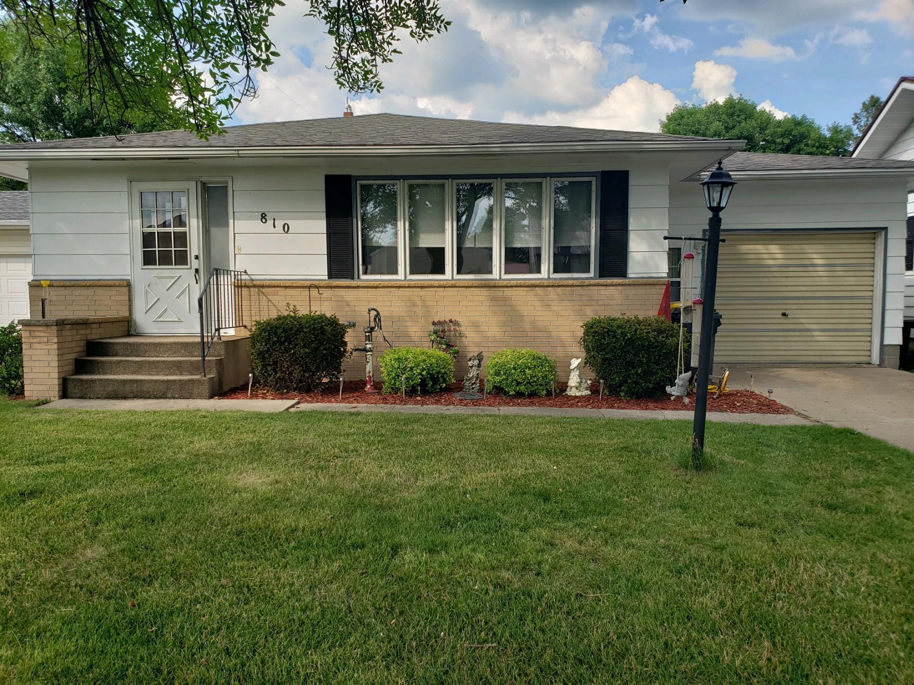 810 2nd Street W Property Photo - Morgan, MN real estate listing