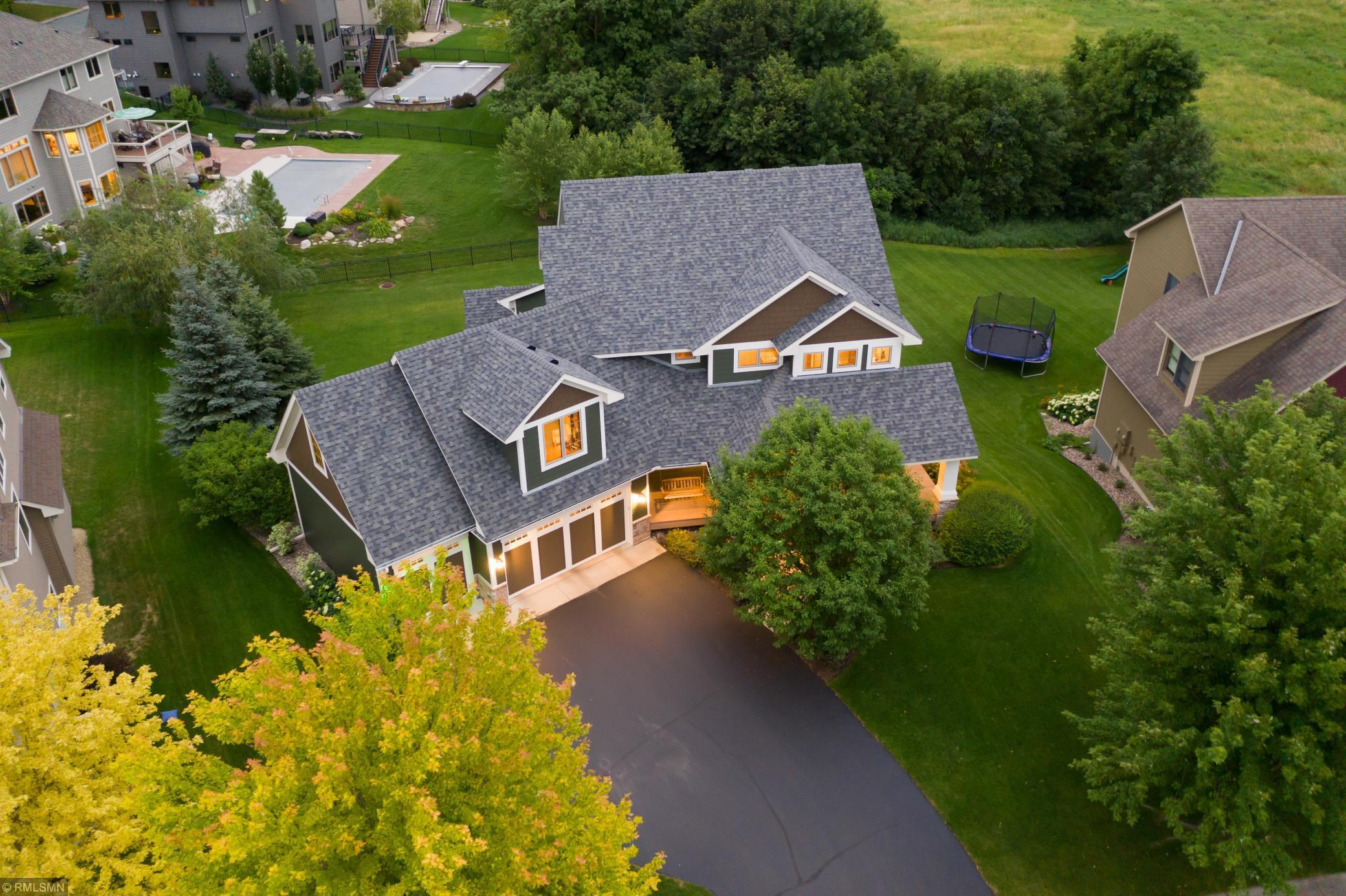 1585 Oakpointe Dr Property Photo - Waconia, MN real estate listing