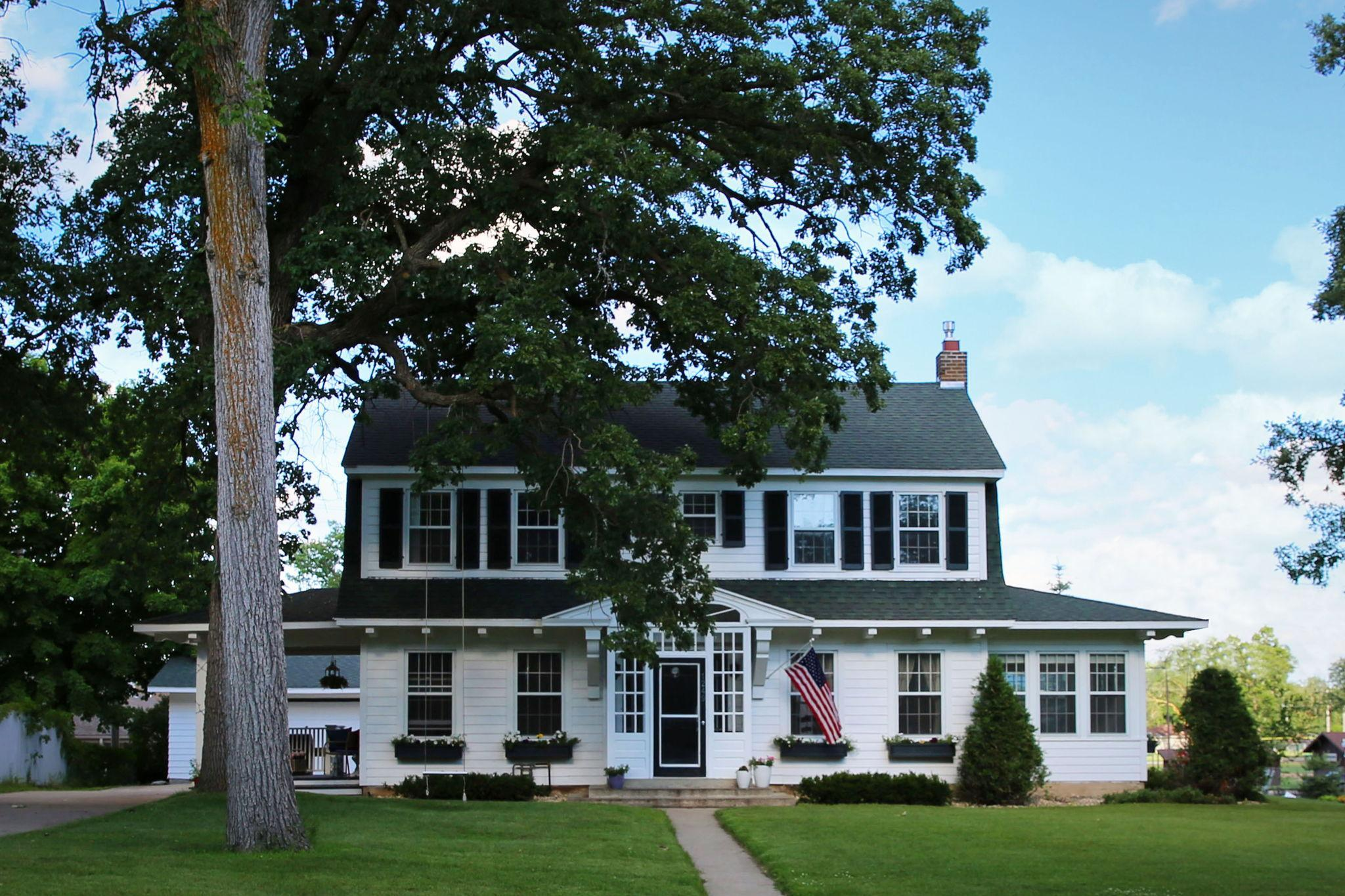 1249 Lake Property Photo - Detroit Lakes, MN real estate listing