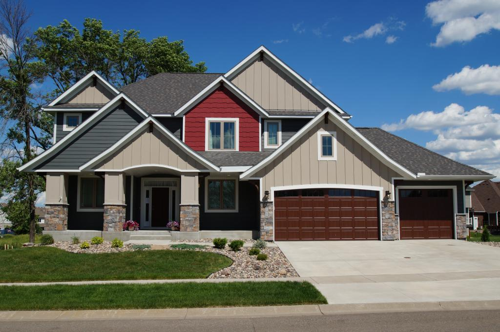 7916 Shadyview Lane N Property Photo