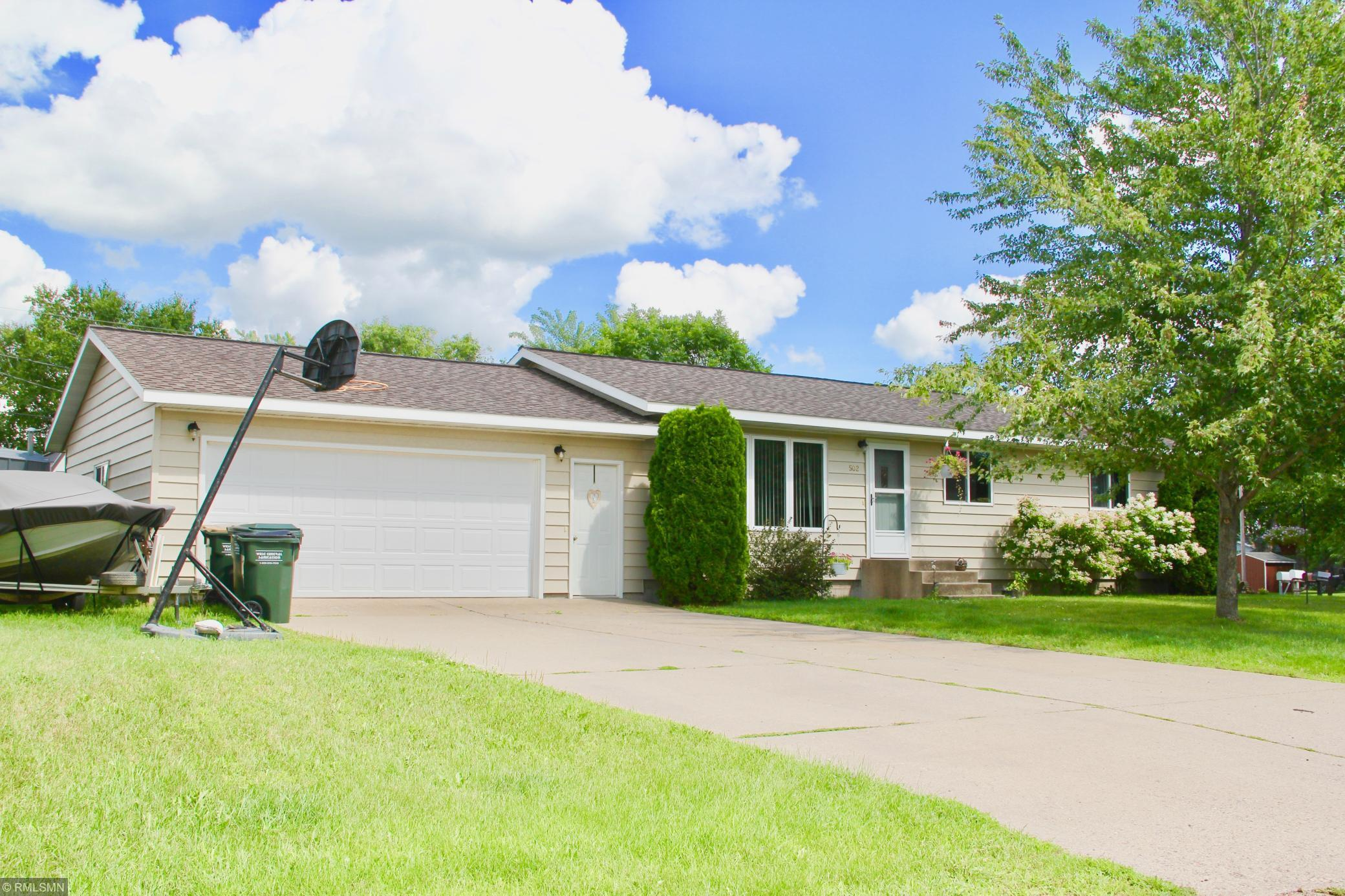 502 Suncrest Drive Property Photo - Avon, MN real estate listing