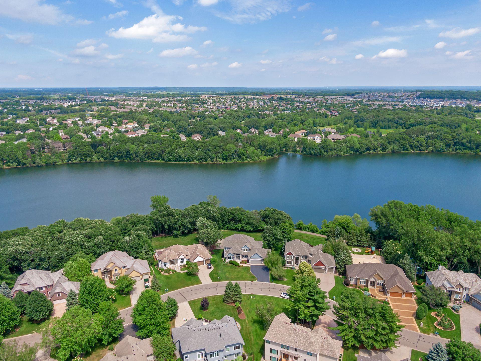 10112 Powers Lake Property Photo