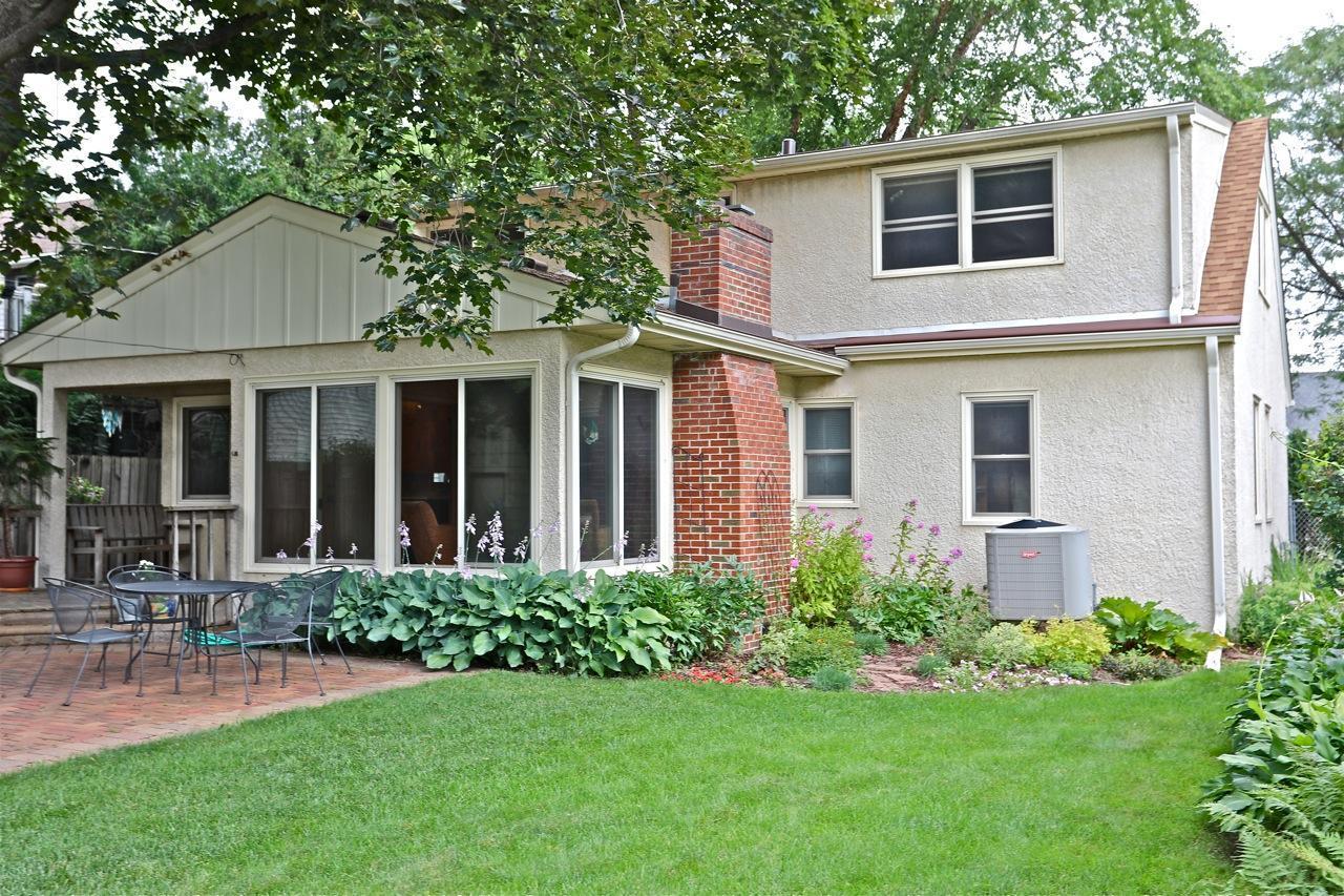 950 Hoyt Avenue W Property Photo - Saint Paul, MN real estate listing