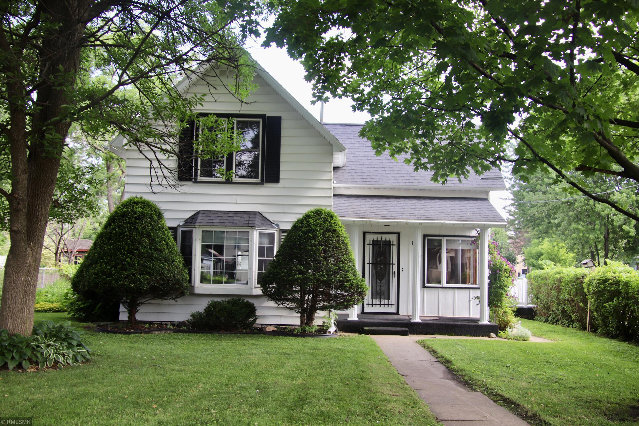 1119 2nd Se Property Photo