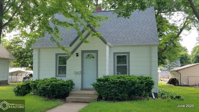 304 Maple Property Photo - Jefferson, IA real estate listing