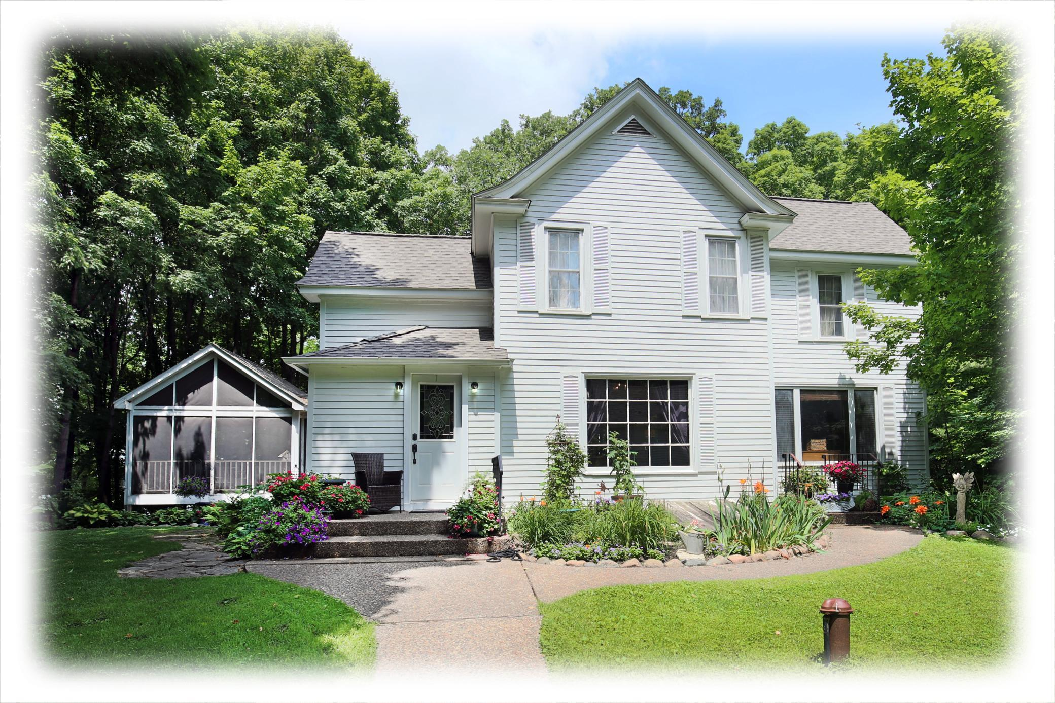22570 Murray Property Photo - Shorewood, MN real estate listing