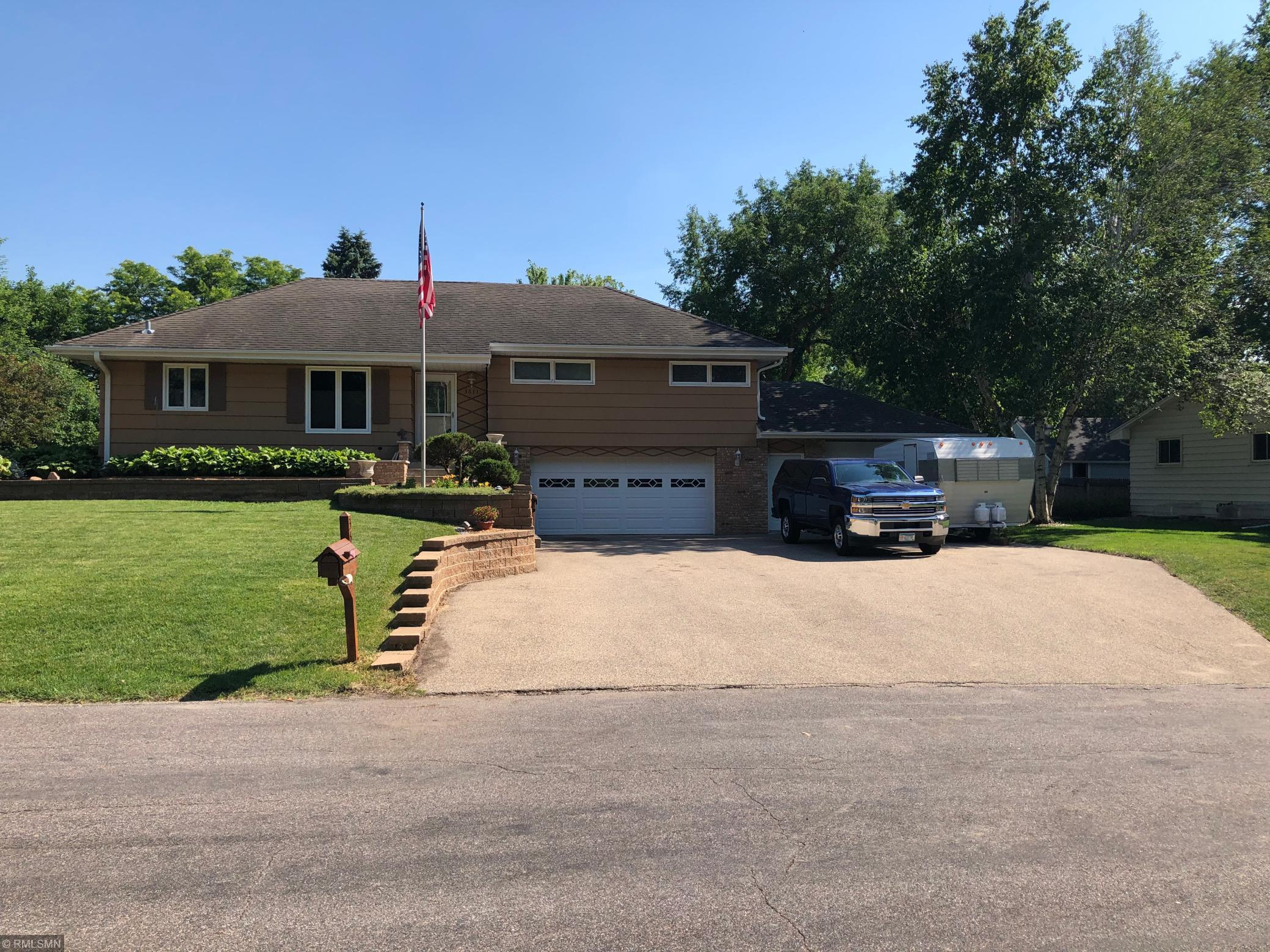 3611 W 103rd Street Property Photo - Bloomington, MN real estate listing
