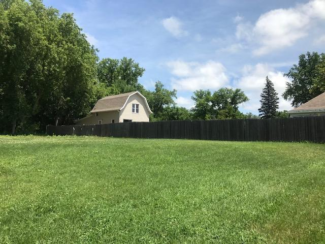 1934 & 1946 4th Property Photo - Windom, MN real estate listing