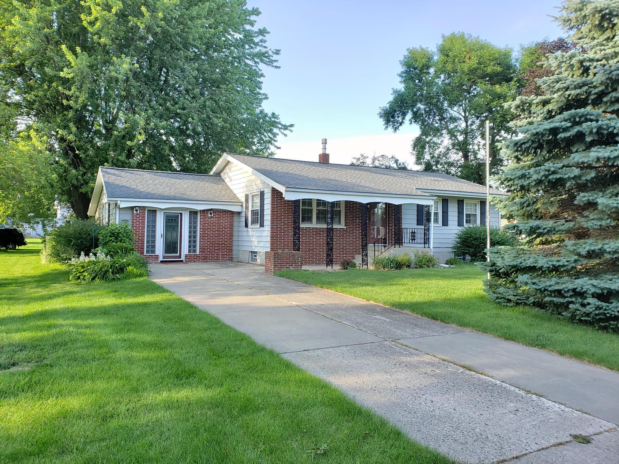 220 3rd SW Property Photo - Blooming Prairie, MN real estate listing