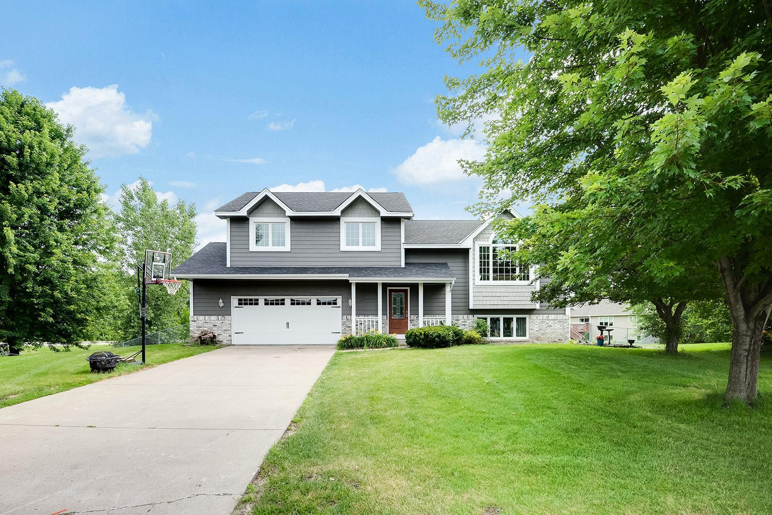 Birch Wood Acres Real Estate Listings Main Image