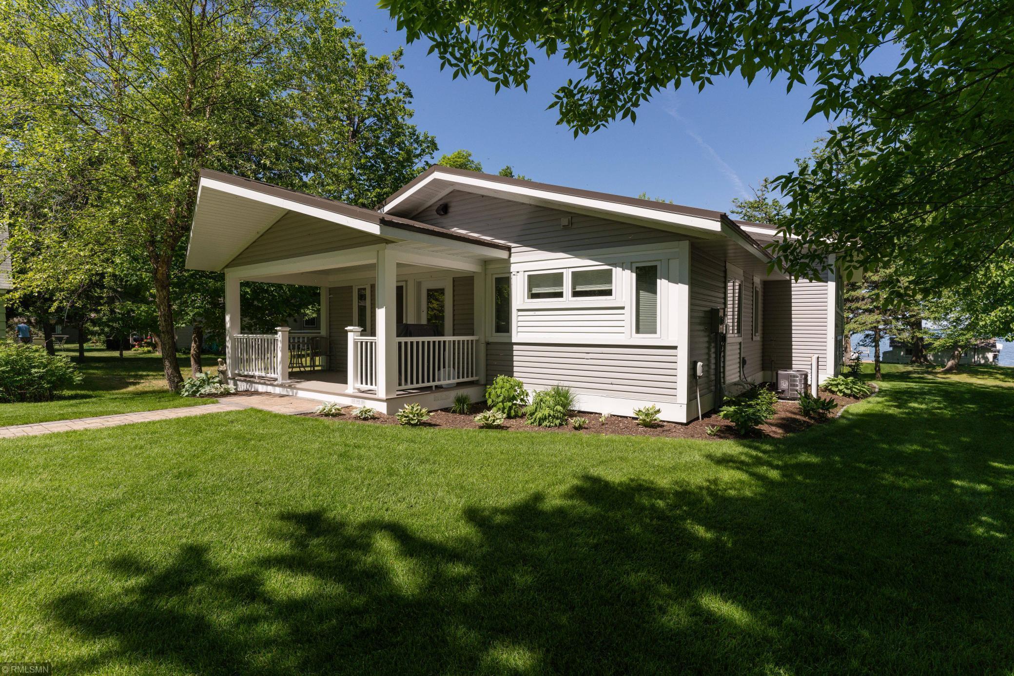 56515 Real Estate Listings Main Image
