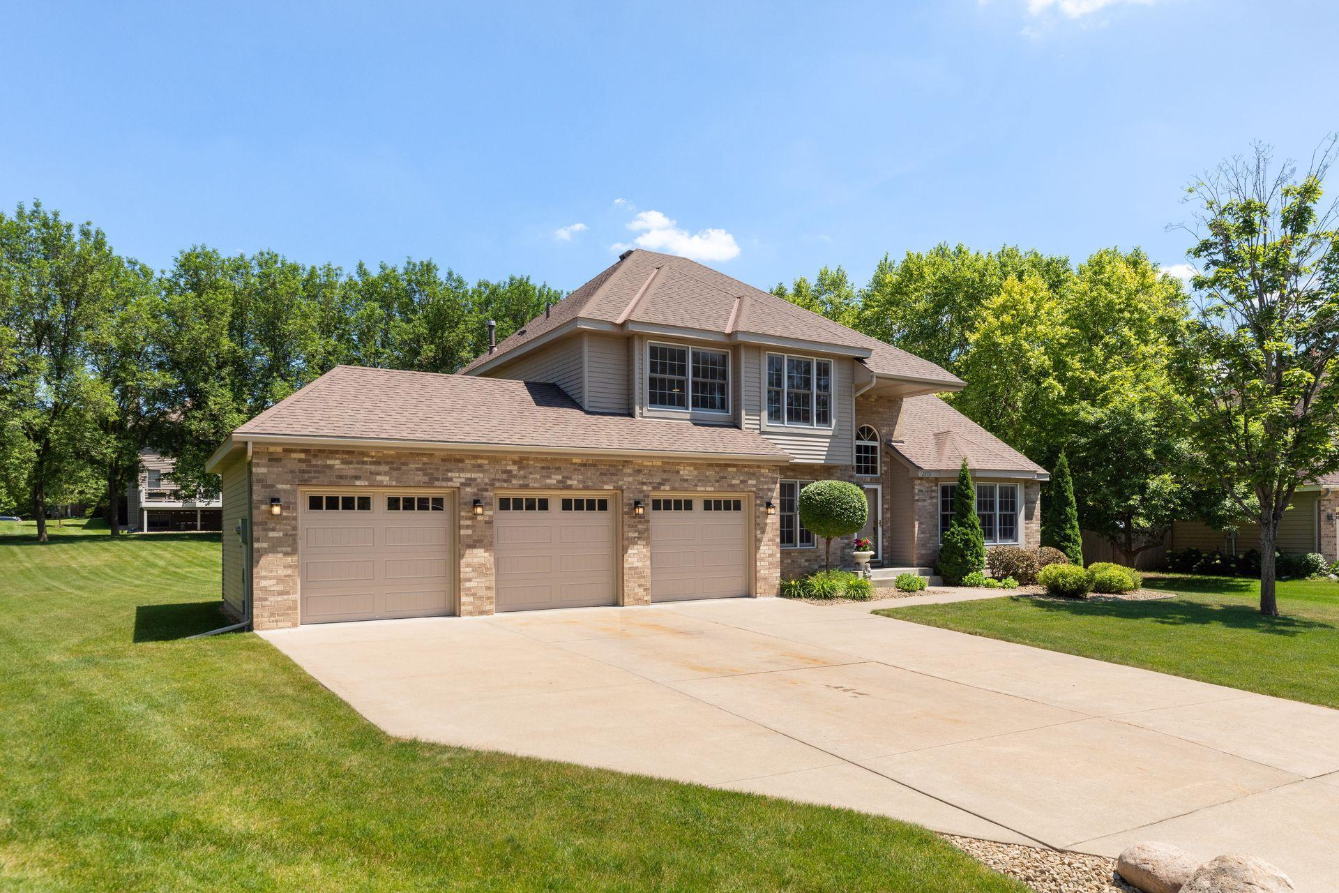 2476 Haverton Property Photo - Mendota Heights, MN real estate listing