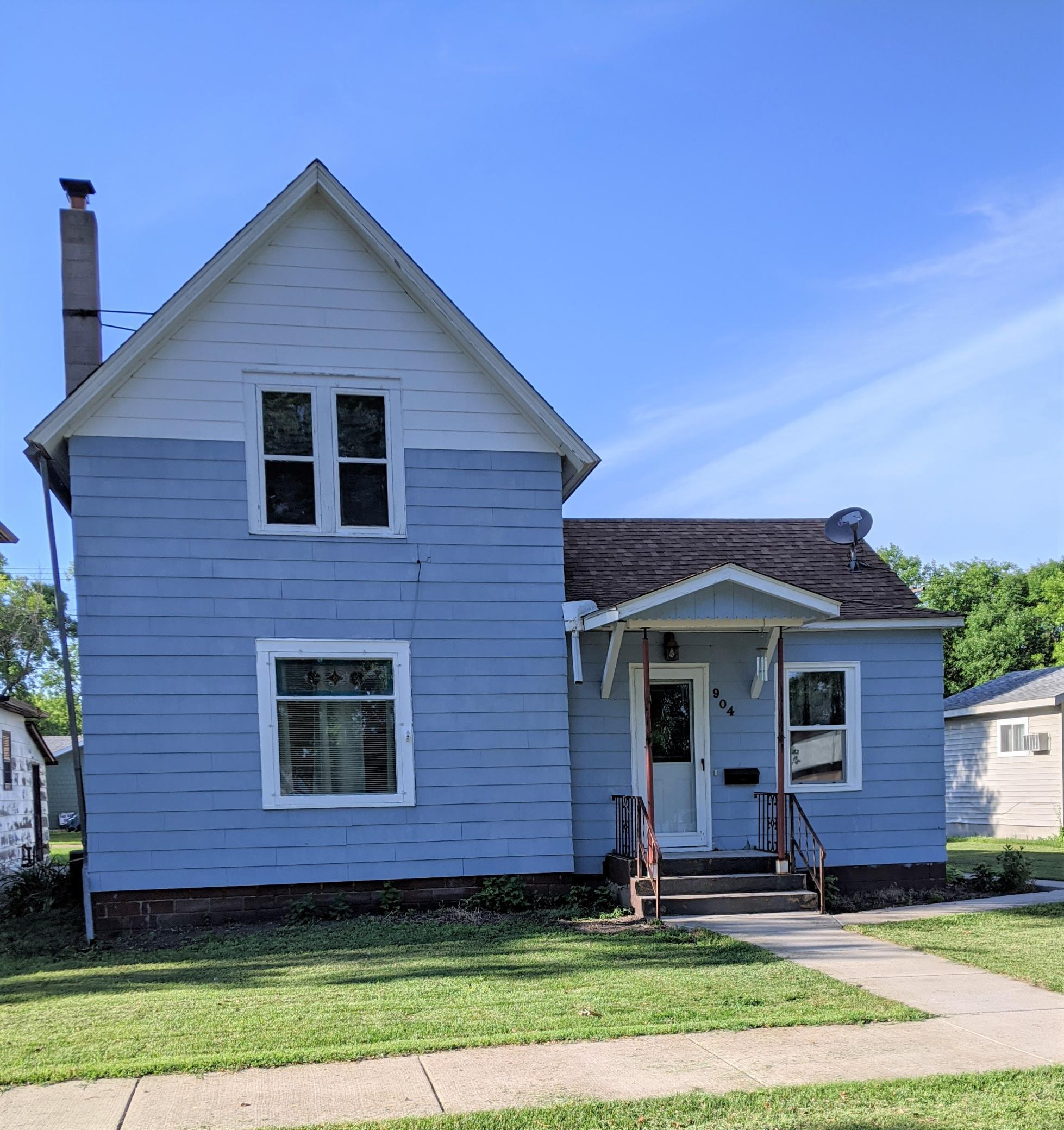 904 1st N Property Photo - Wheaton, MN real estate listing