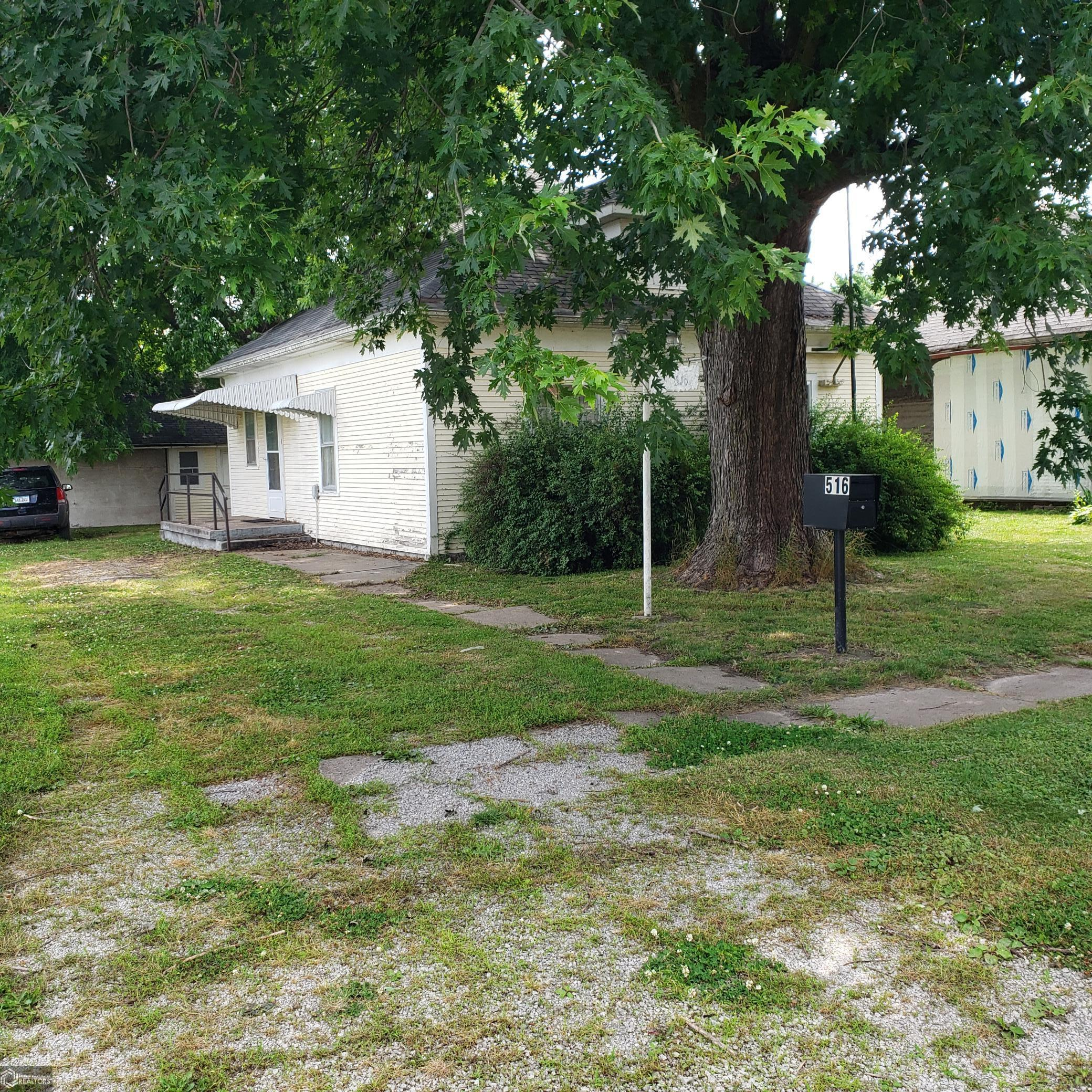 516 Clark Property Photo - Centerville, IA real estate listing