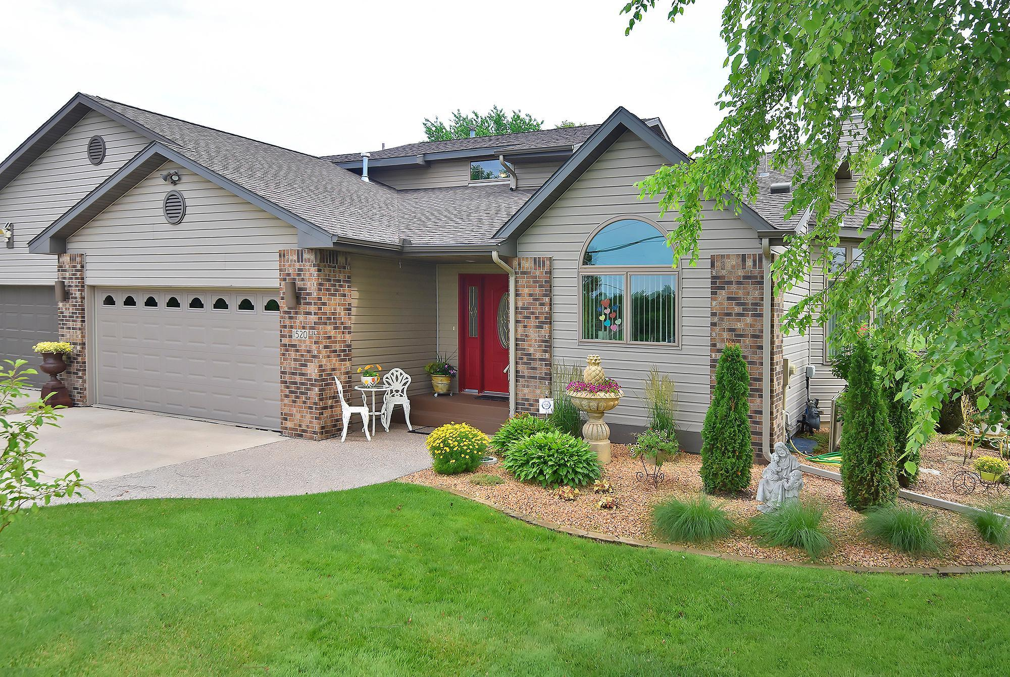 1520 Rose Property Photo - Owatonna, MN real estate listing