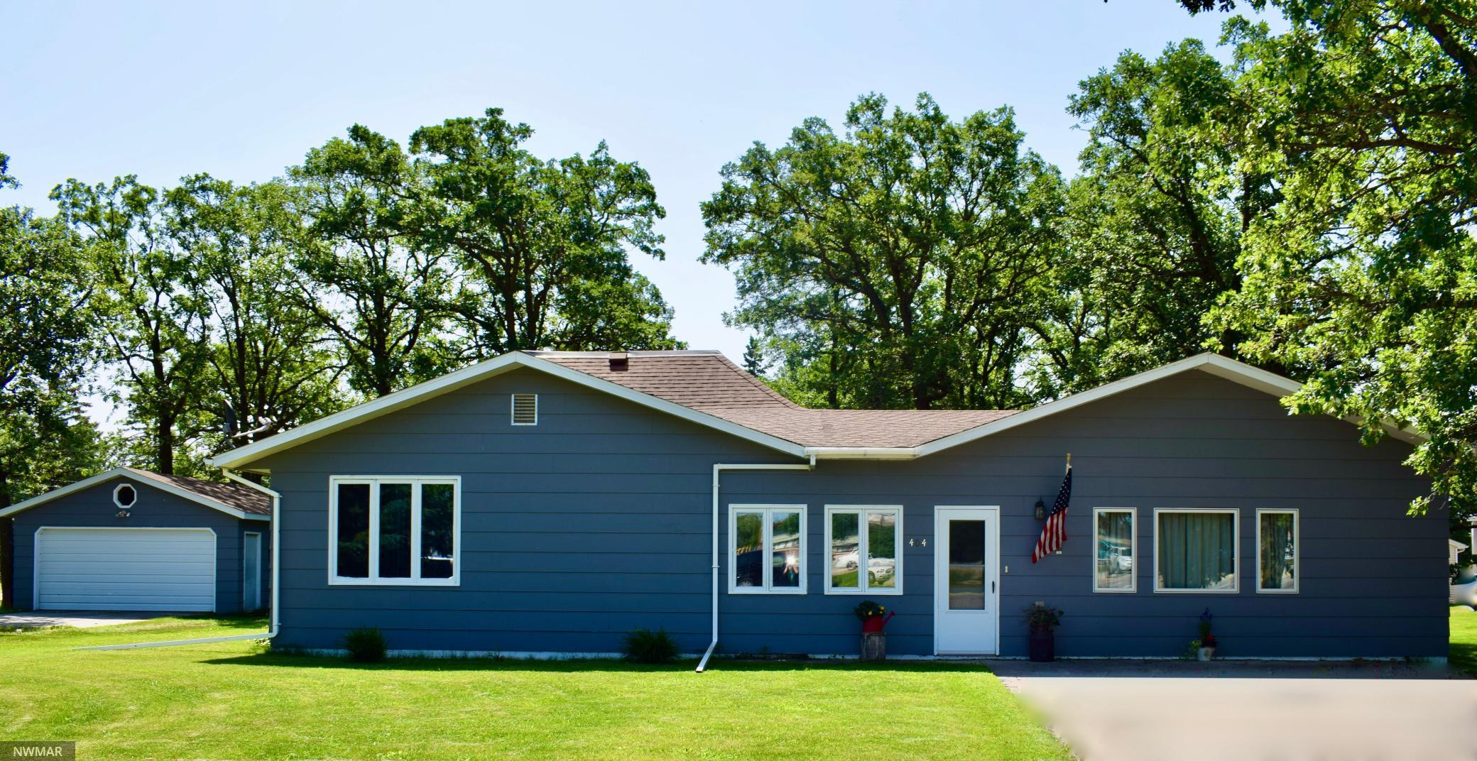 404 Lincoln W Property Photo - Karlstad, MN real estate listing