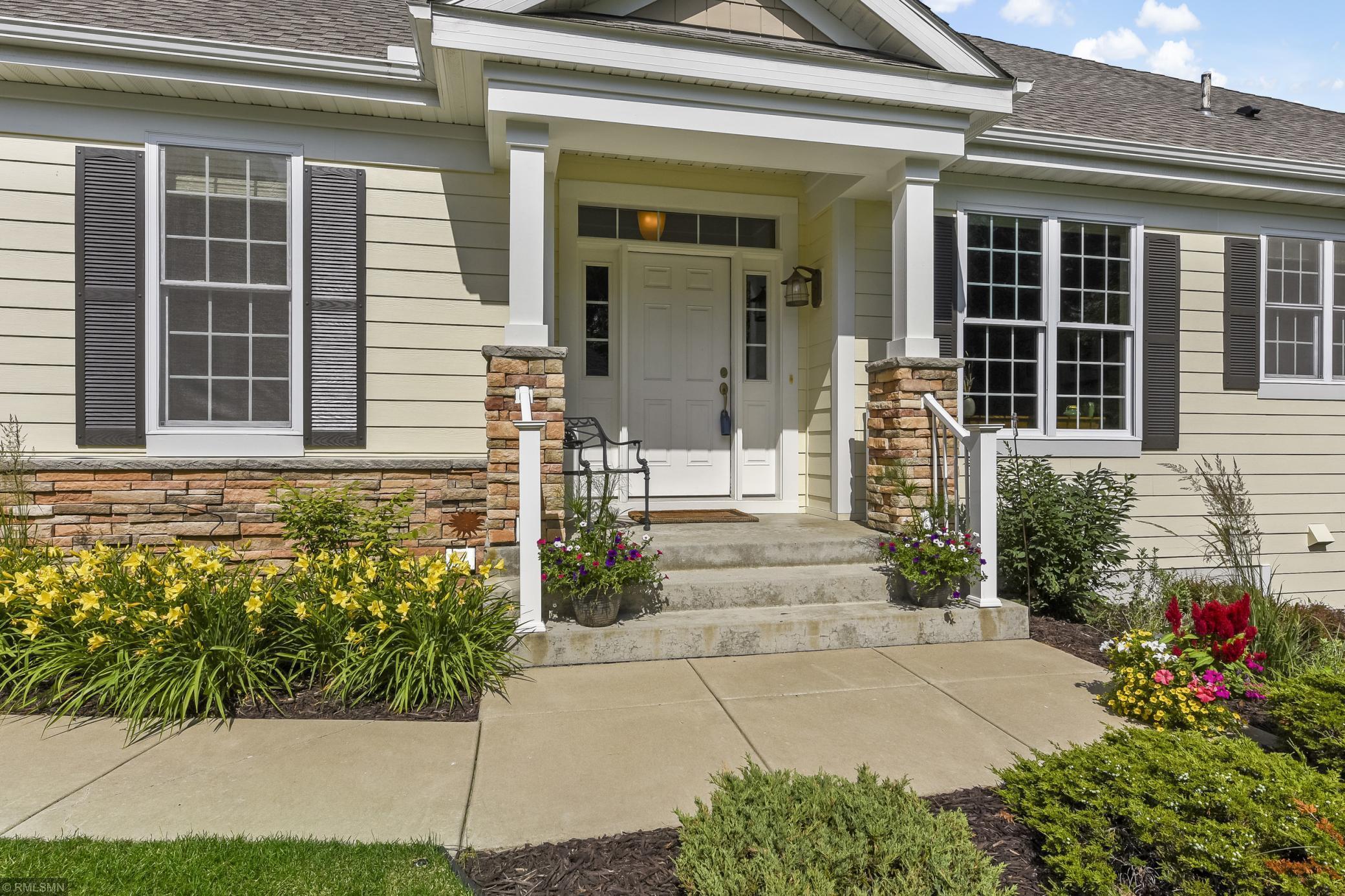 4836 Steeplechase #9 Property Photo - Eagan, MN real estate listing
