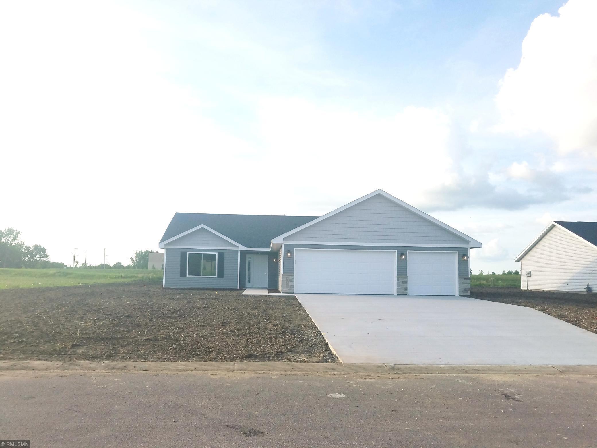 800 Pondview Circle Property Photo - Arlington, MN real estate listing